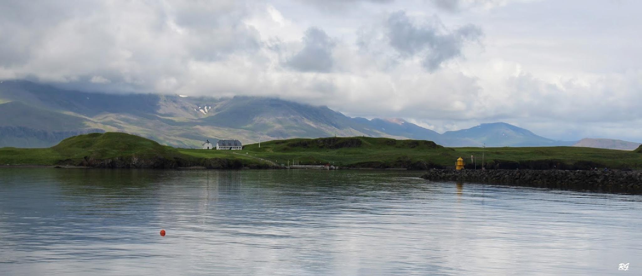 Viðey -Reykjavík by rikkigudmunds
