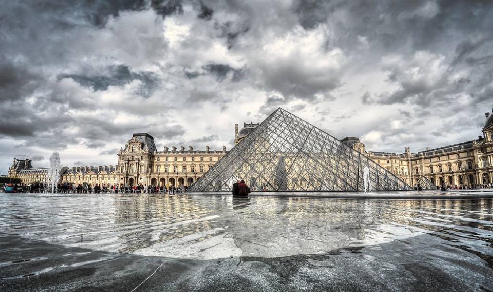 Louvre by JF Fernando
