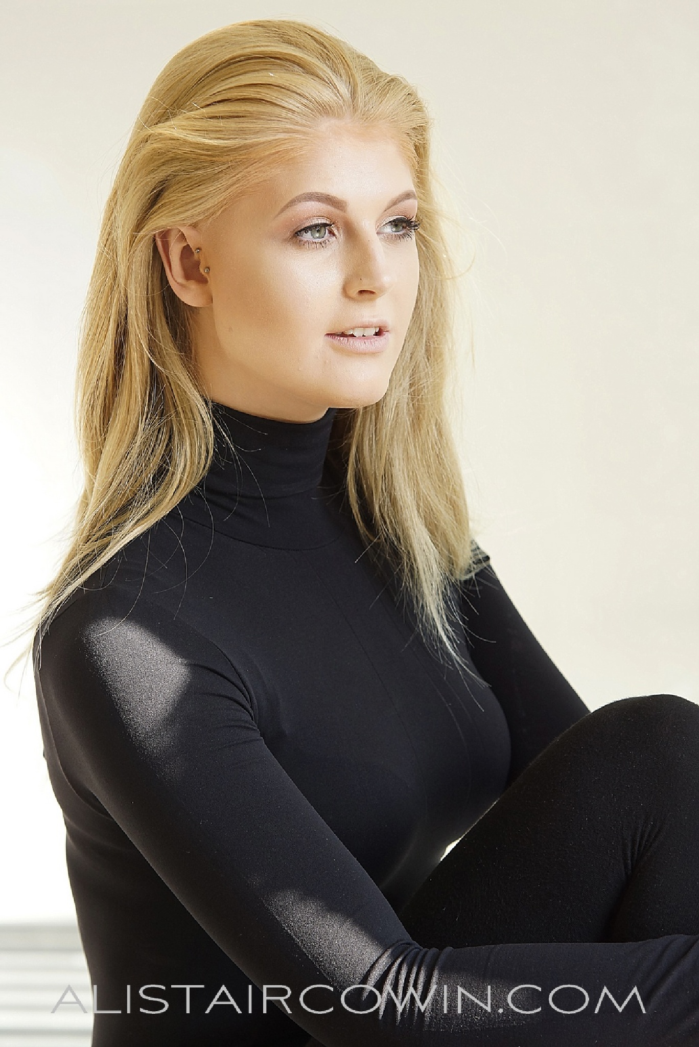 Hannah L by Alistair Cowin