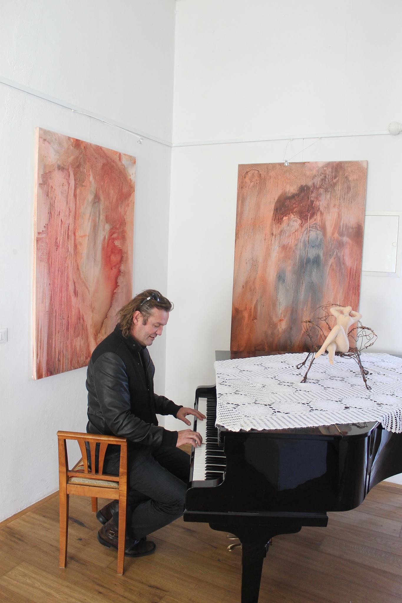 Exhibition by Janez Štros