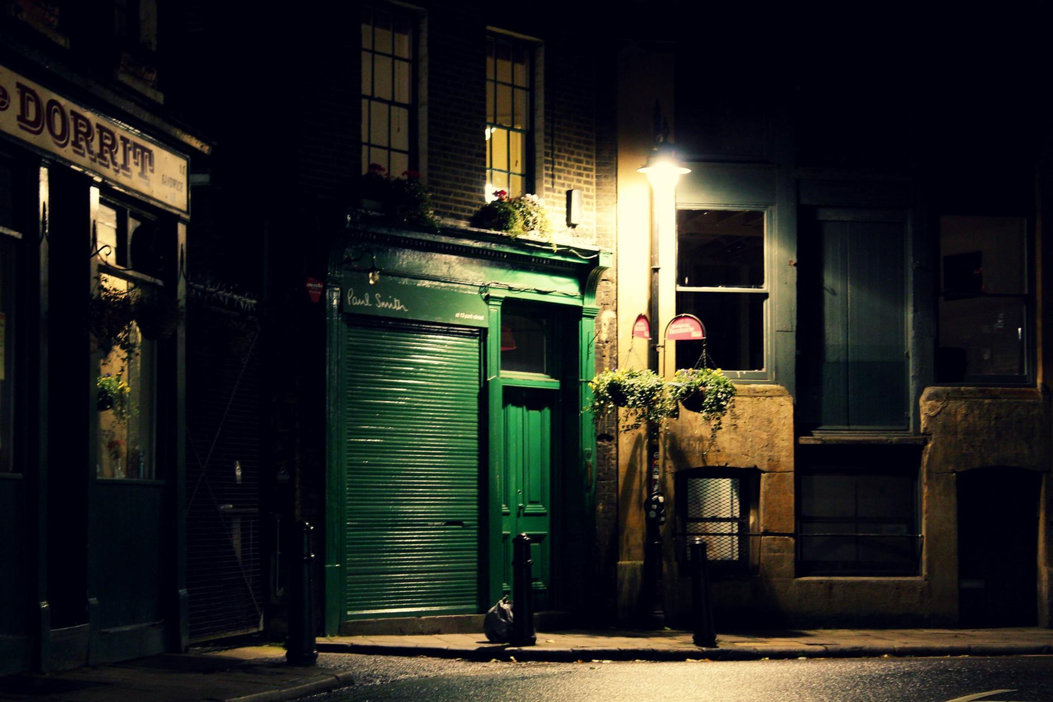 London 01 by Luca Hennig