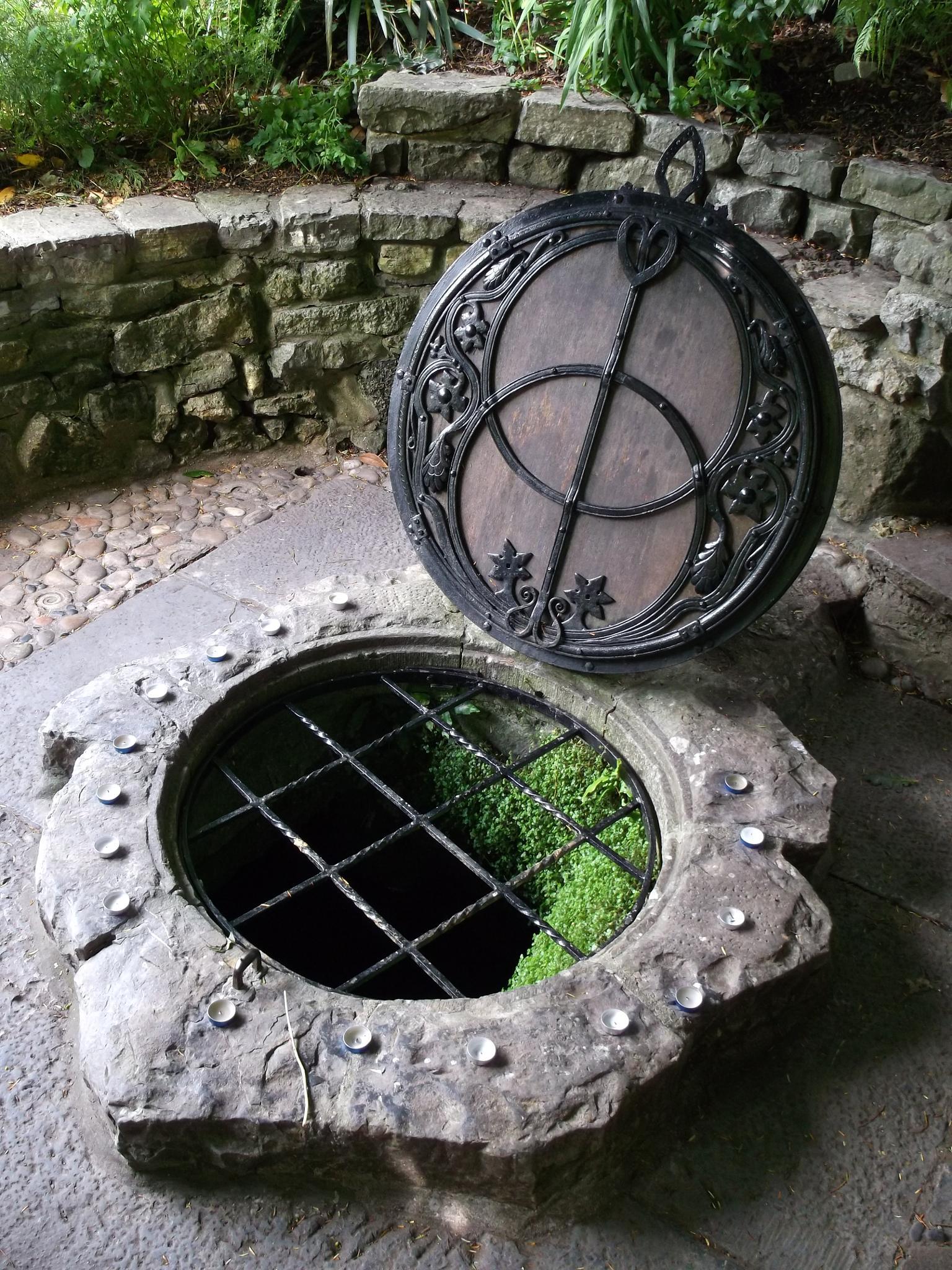 Chalice Well Glastonbury by pblaromana