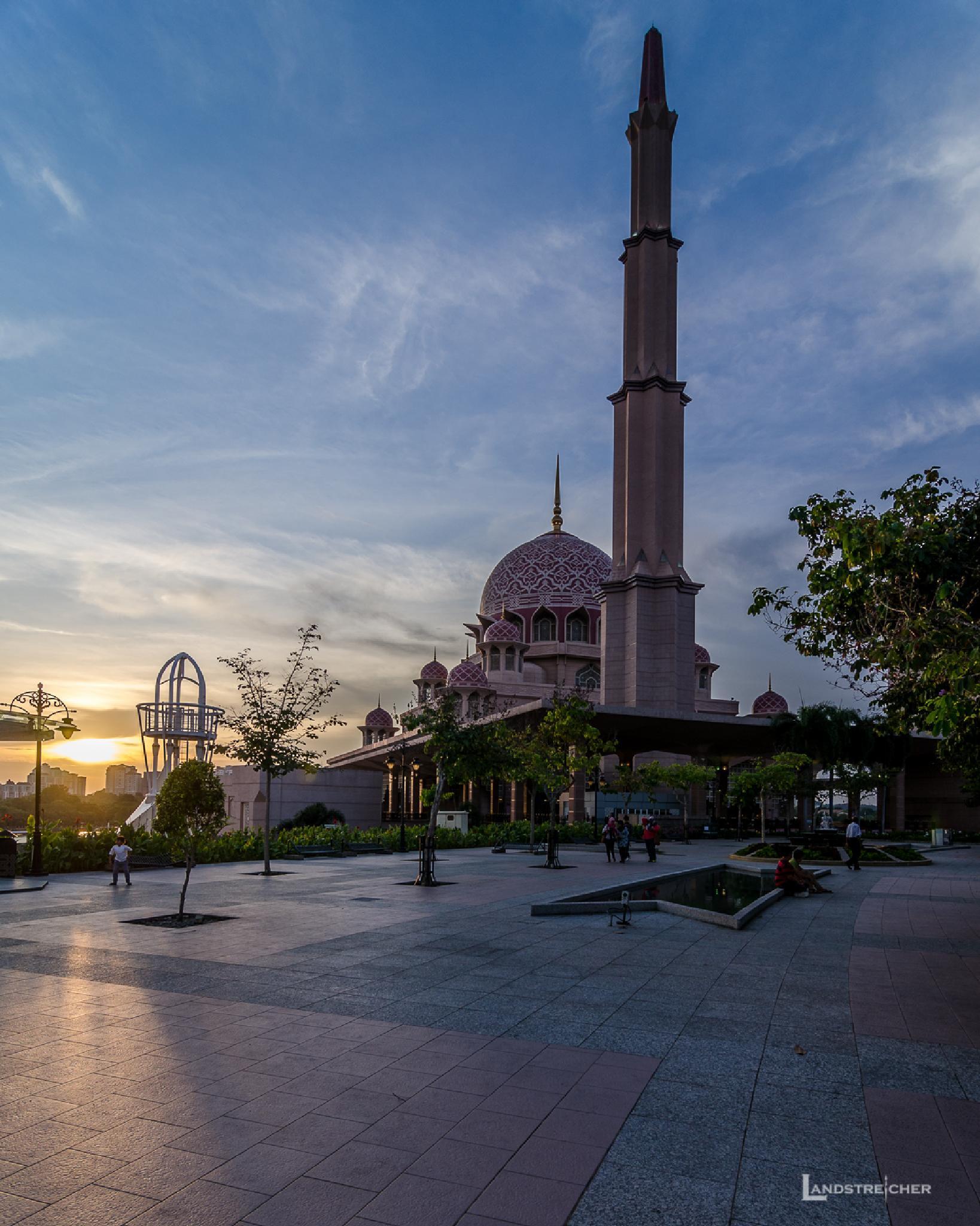 Masjid Putra by Landstreicher