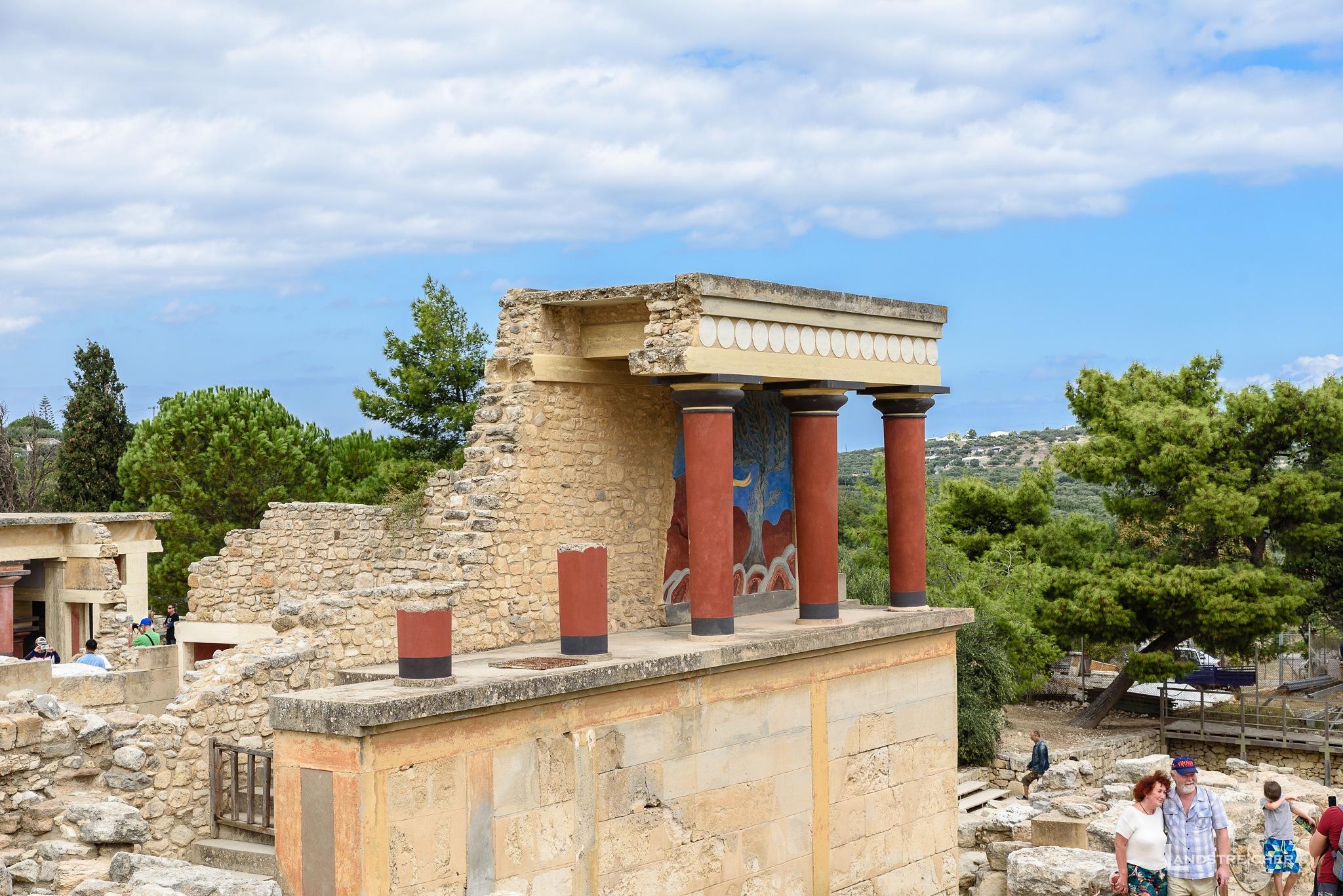 Ruines of Knossos by Landstreicher