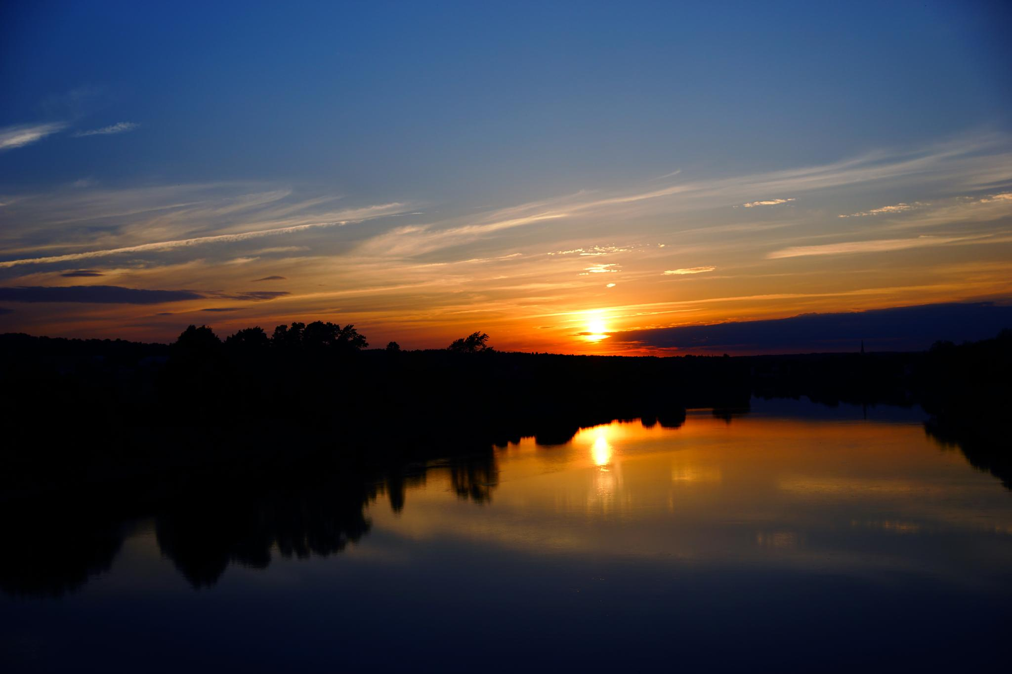 Summer sunset on the river by sylviecorriveau
