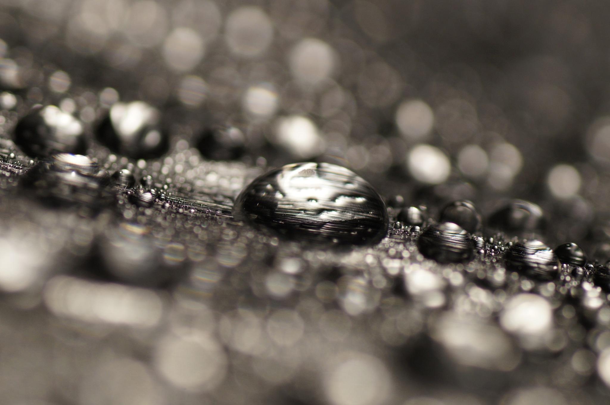 Steel water drops by sylviecorriveau