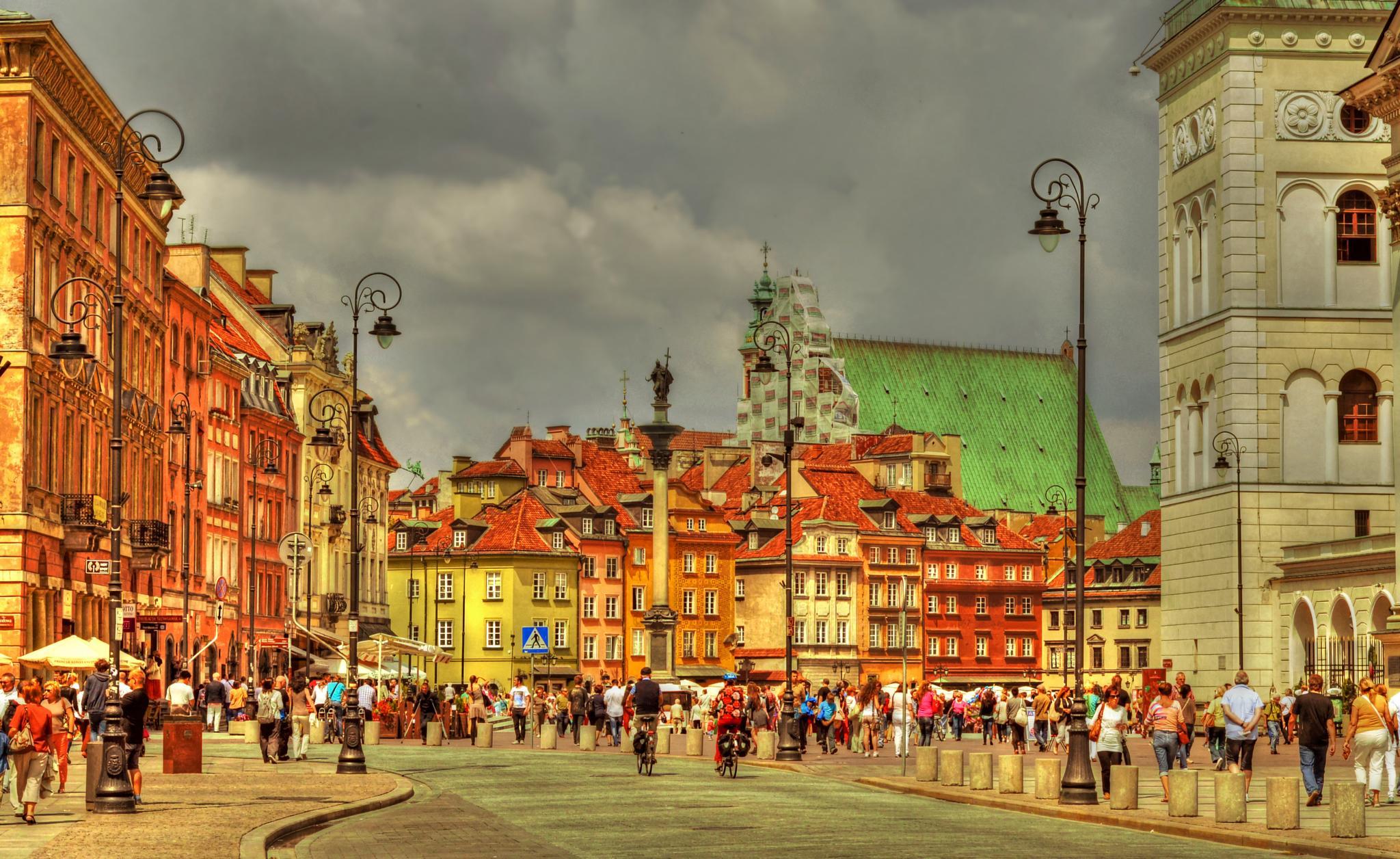 Castle Square  by Piotr Owczarzak