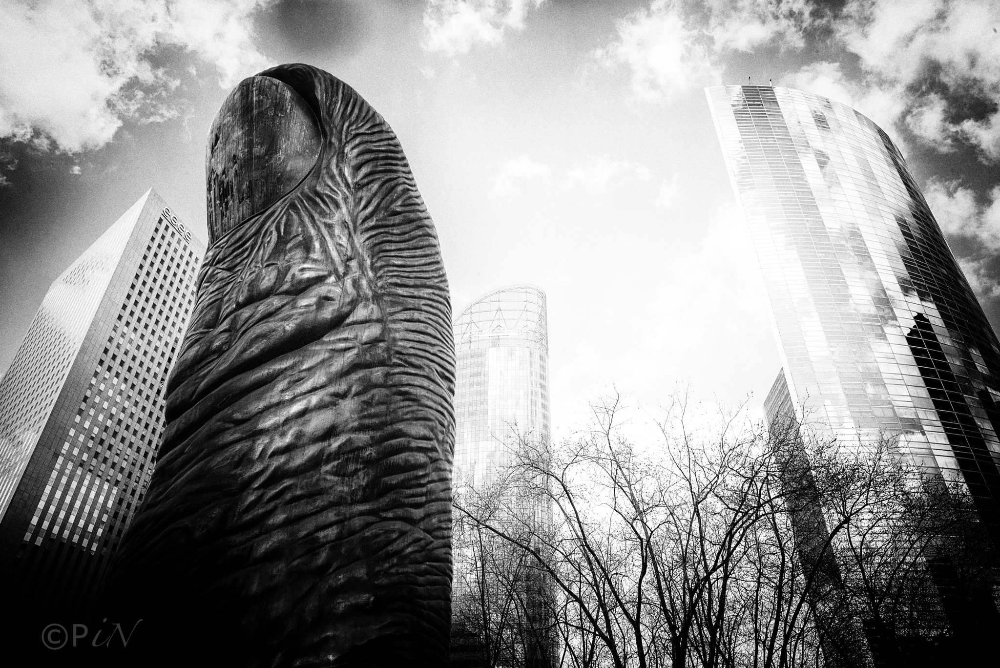 Paris Thumb by Paul Struijk