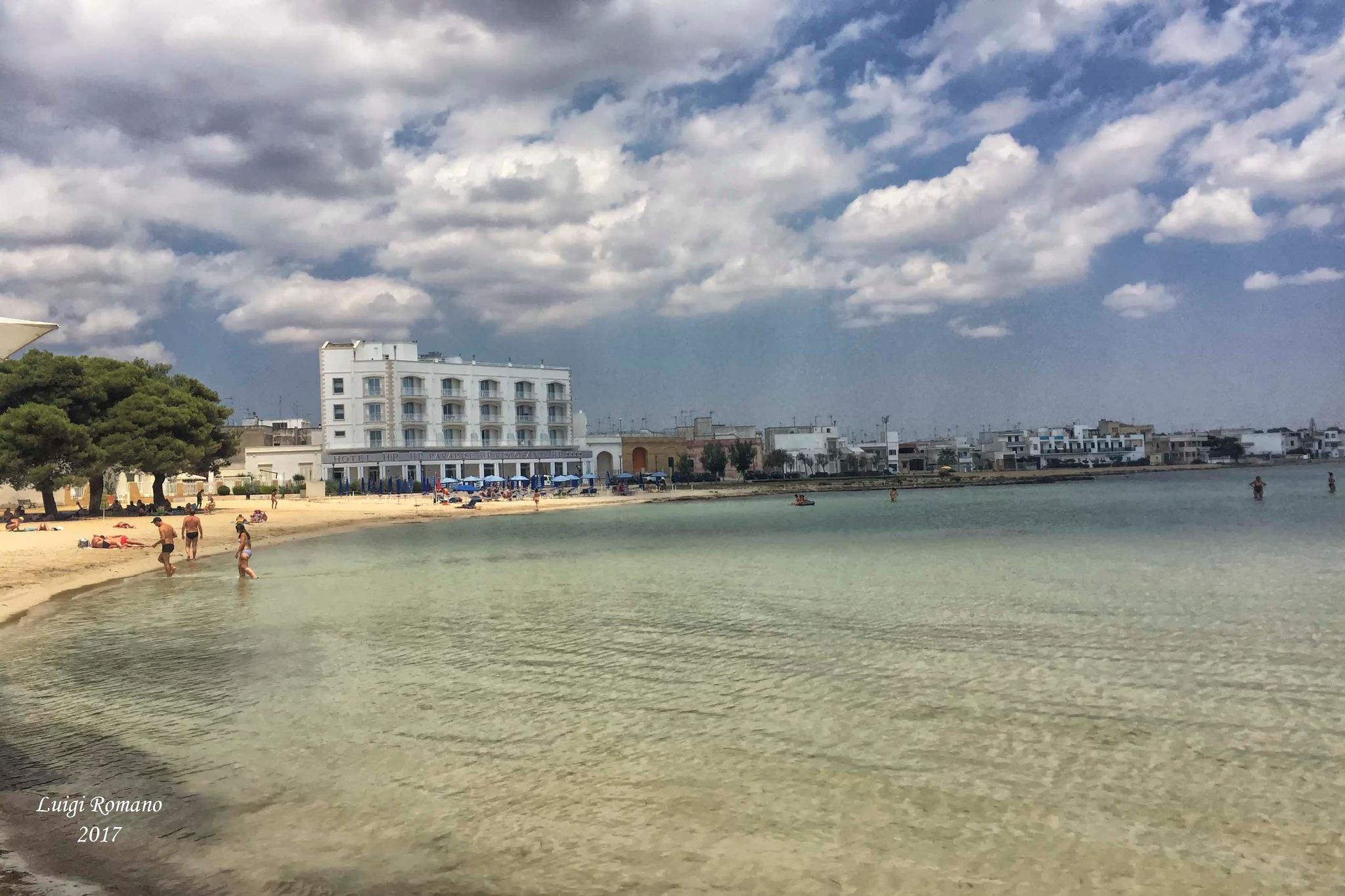 To the sea in Puglia by Luigi Romano