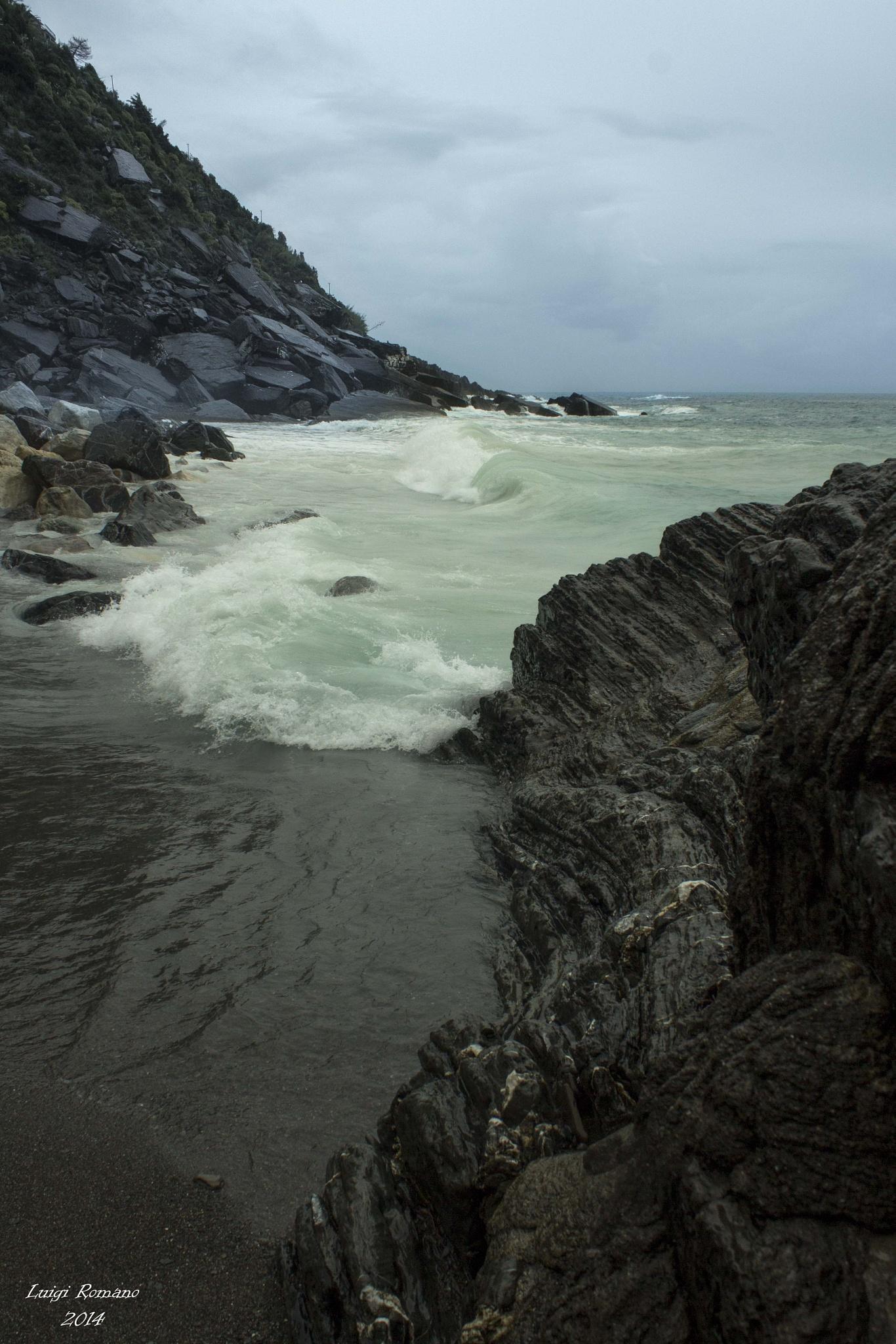 The sea off season by Luigi Romano