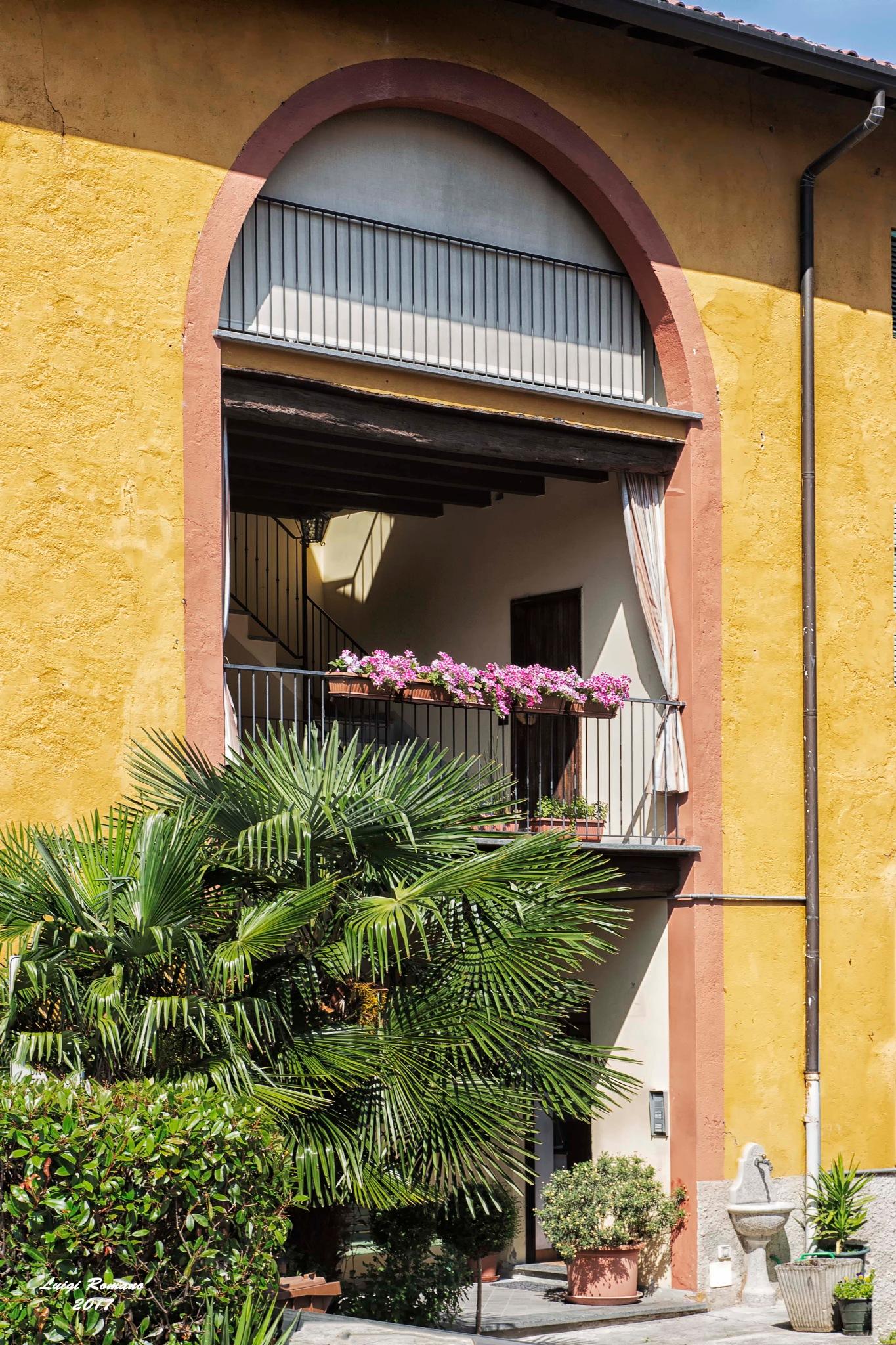 Popular house in Brianza by Luigi Romano