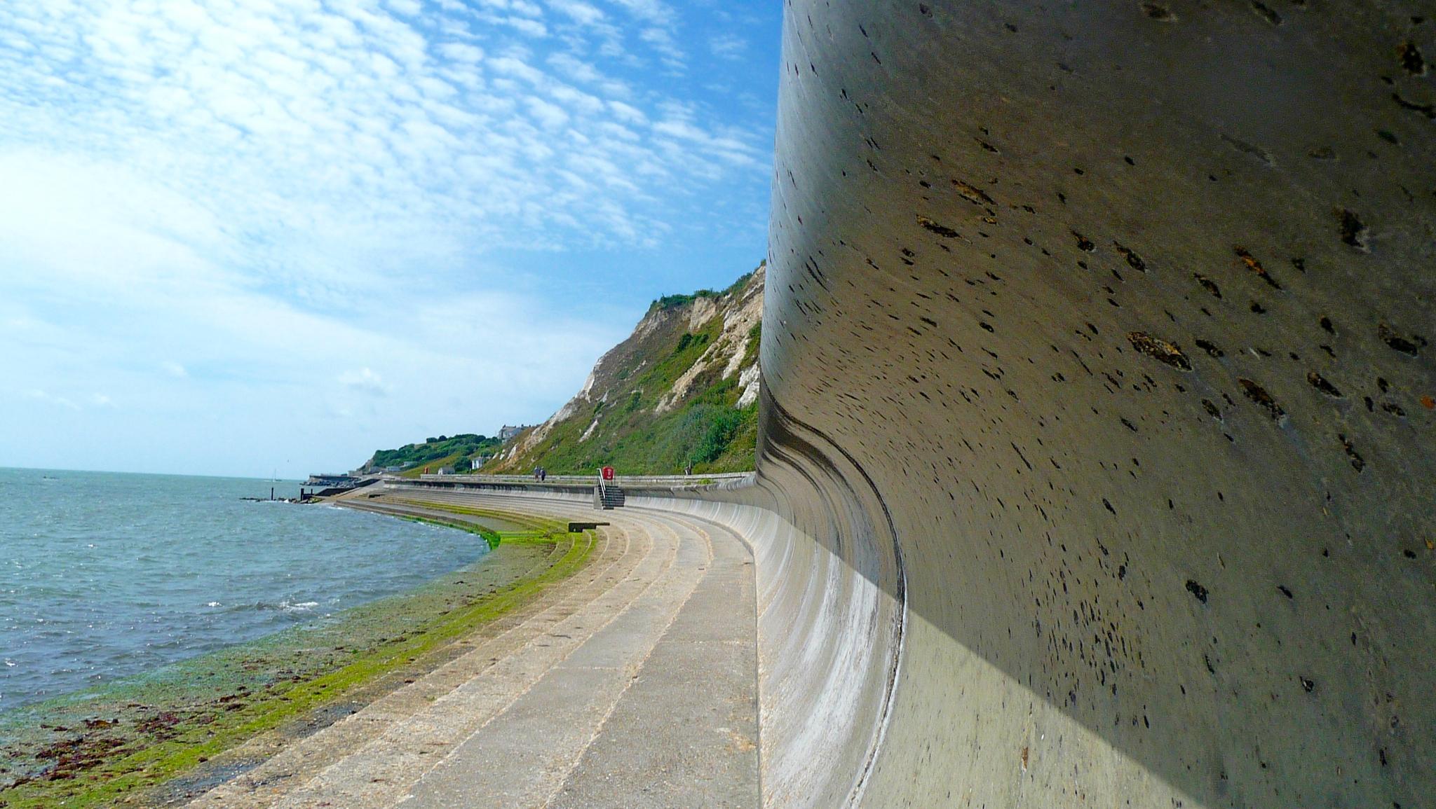 Sea Wall by Thmsctt69