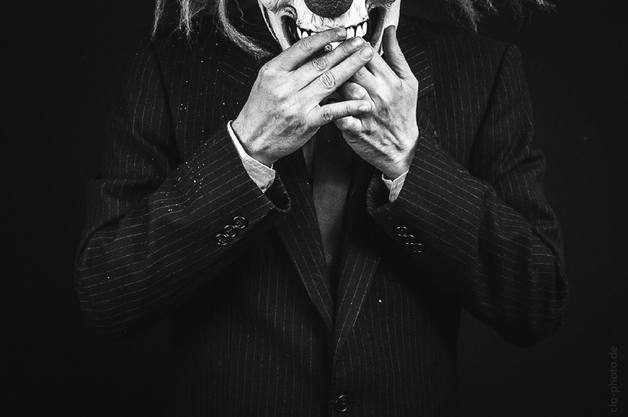 smoking clown by chutsao