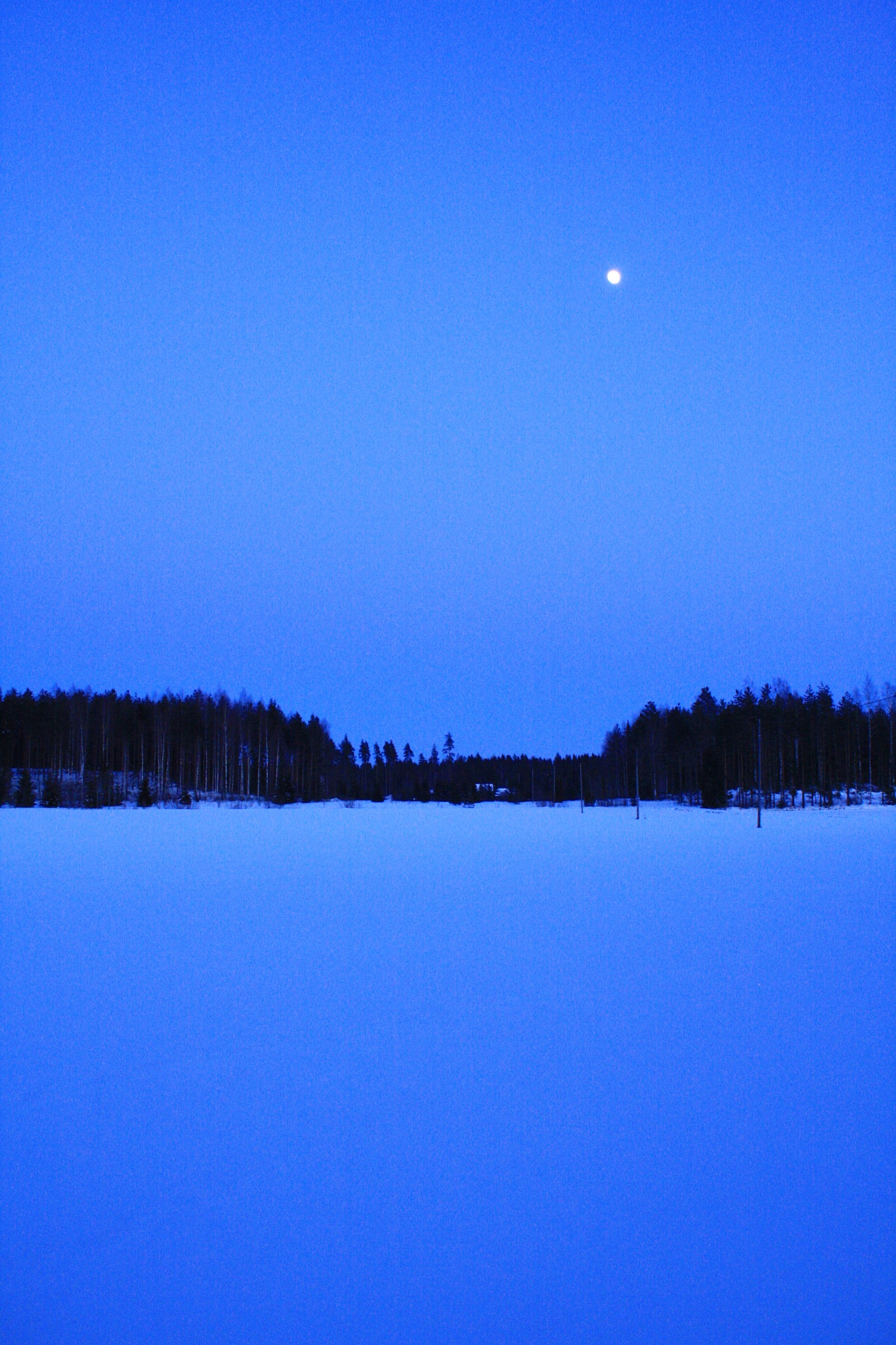 Blue hour. Sininen hetki. by juhakettu68