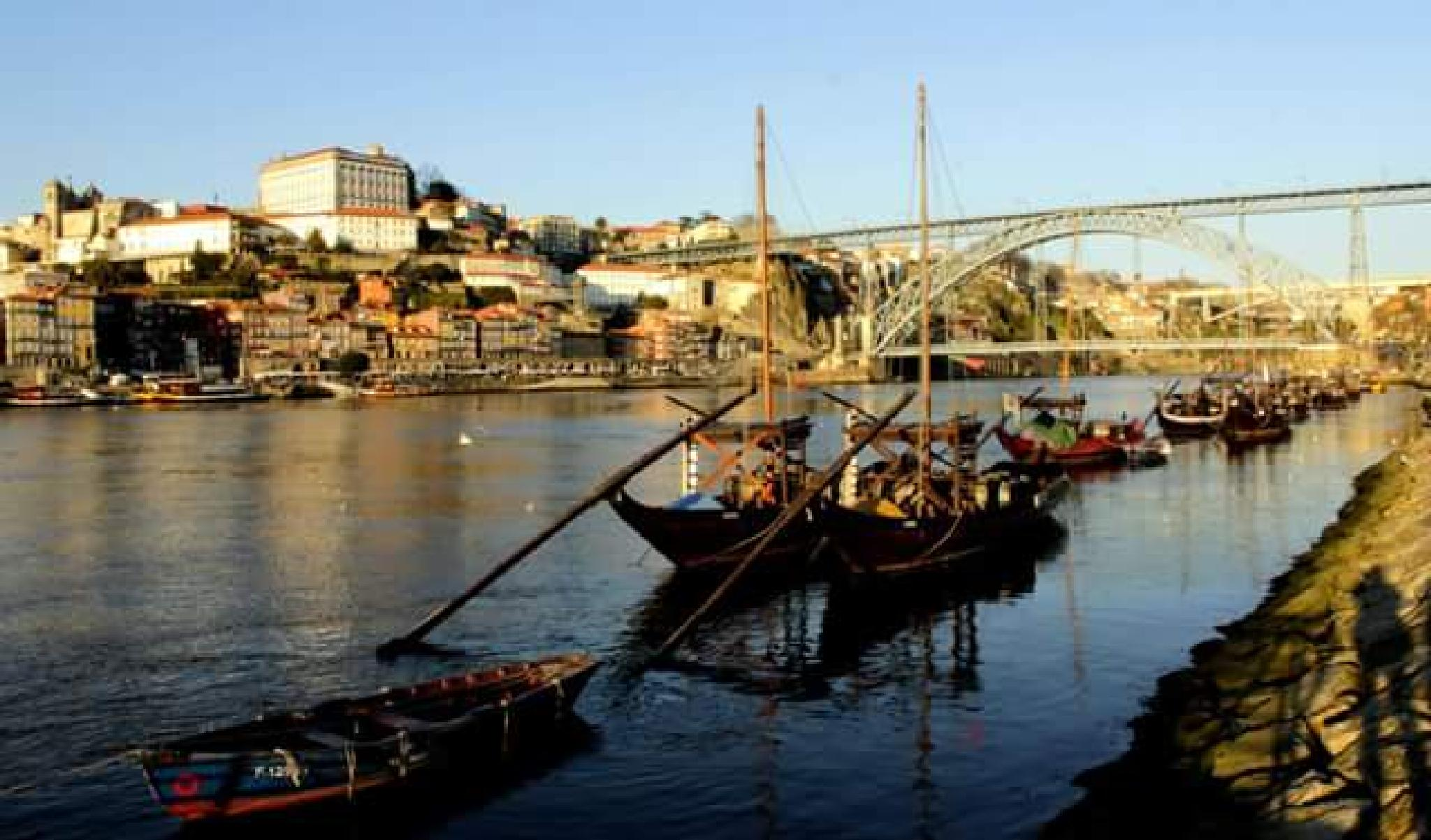 view of the Douro river by thierrylorenzo