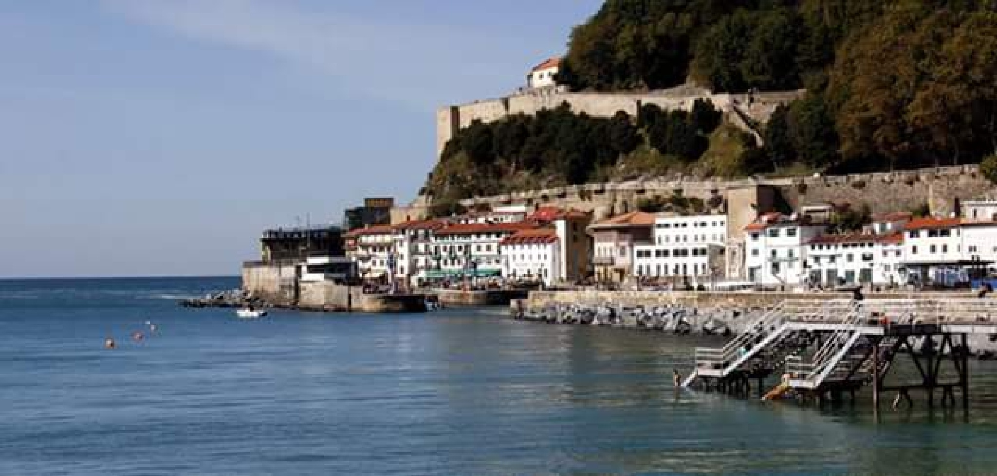 San Sebastian coast by thierrylorenzo
