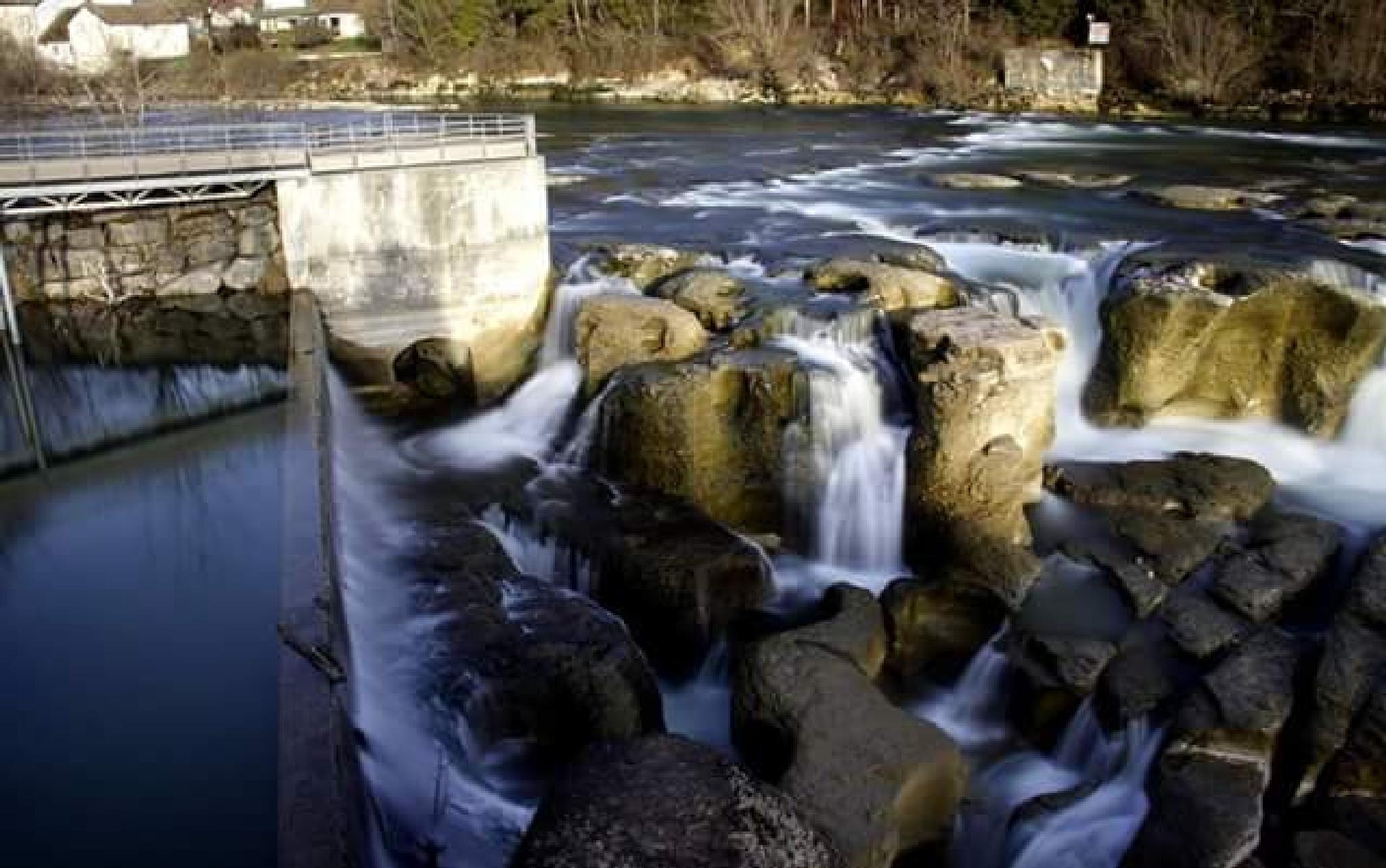 waterfall by thierrylorenzo