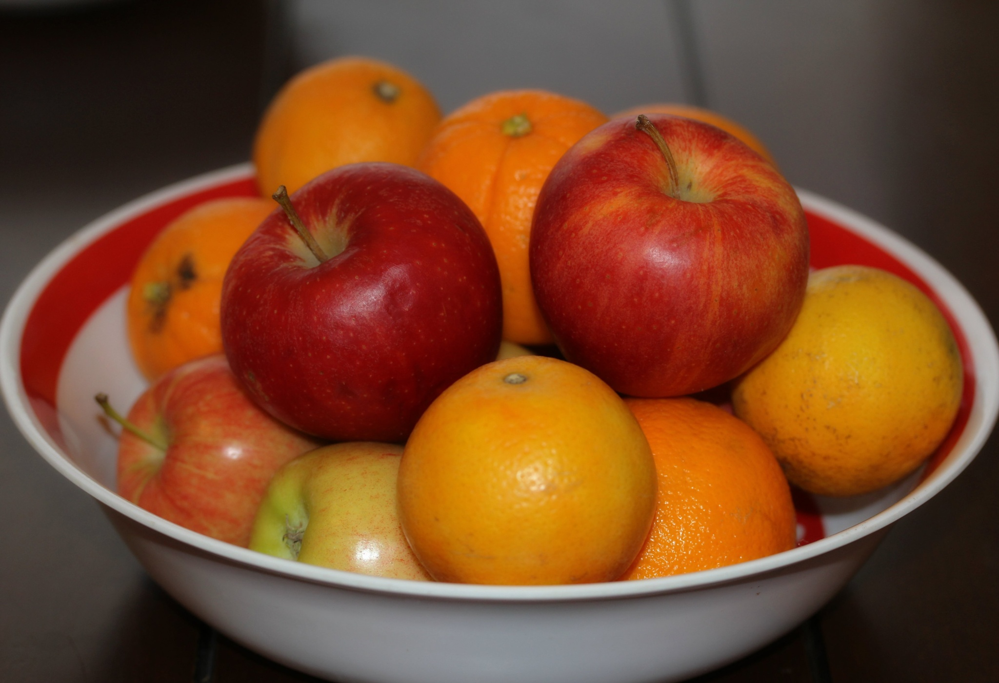 Comparing Apples to Oranges by rcpics