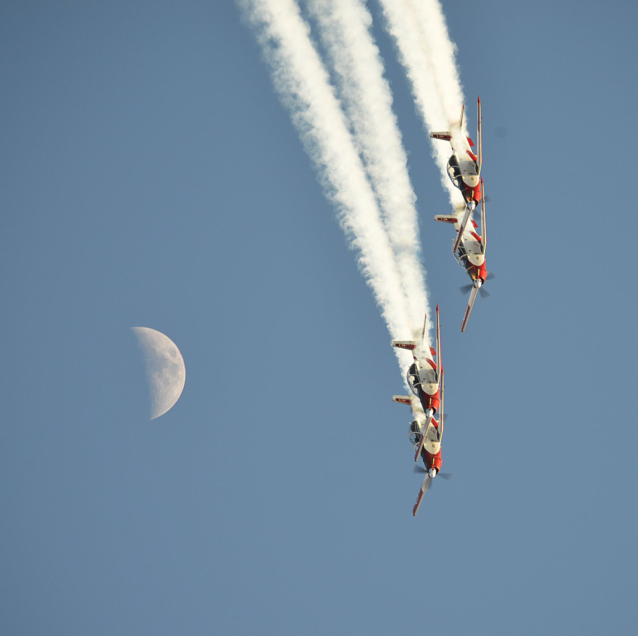 Israeli air force 1 by Motti Shonak