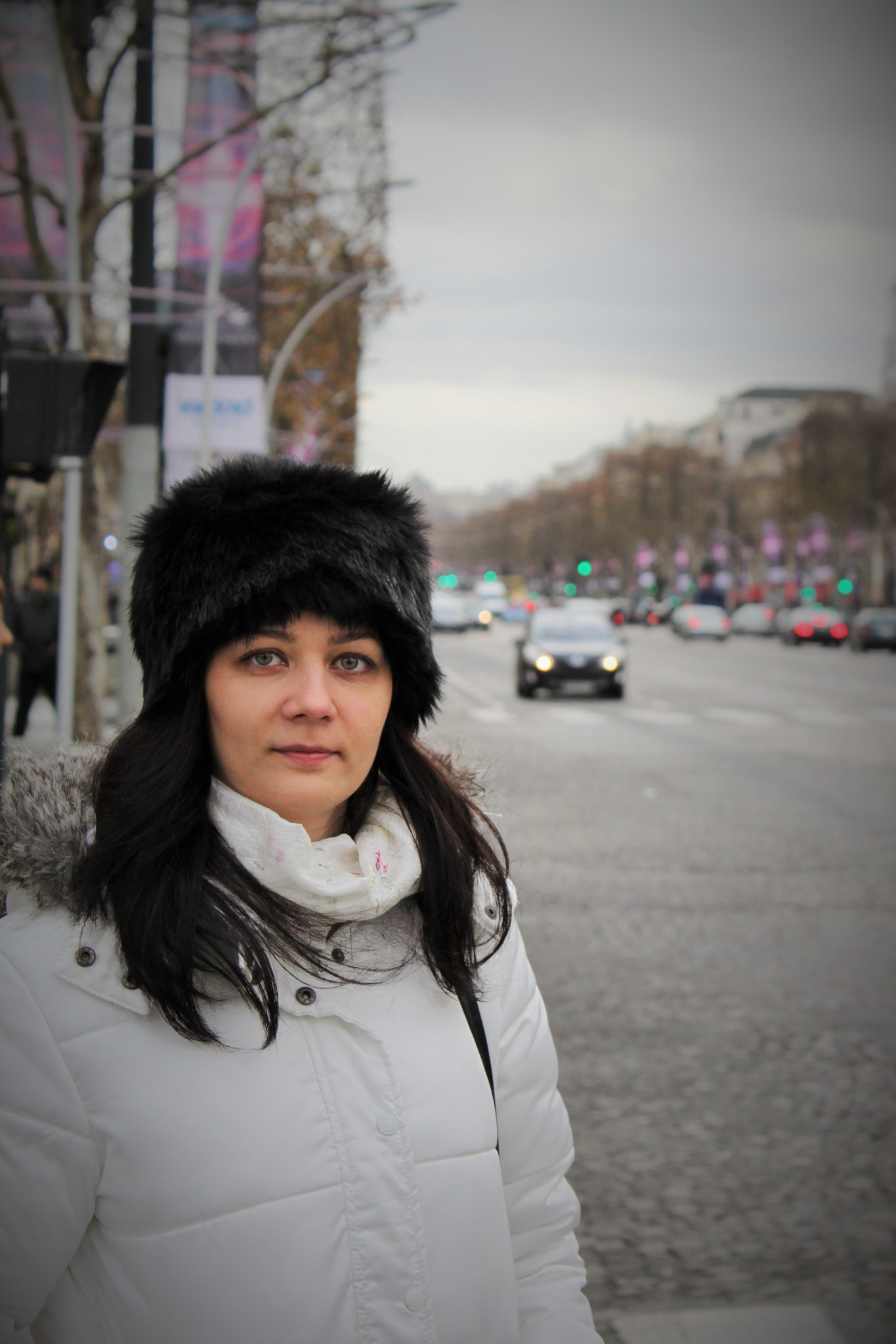 Champs Elysee by Bogdan Ciobanu
