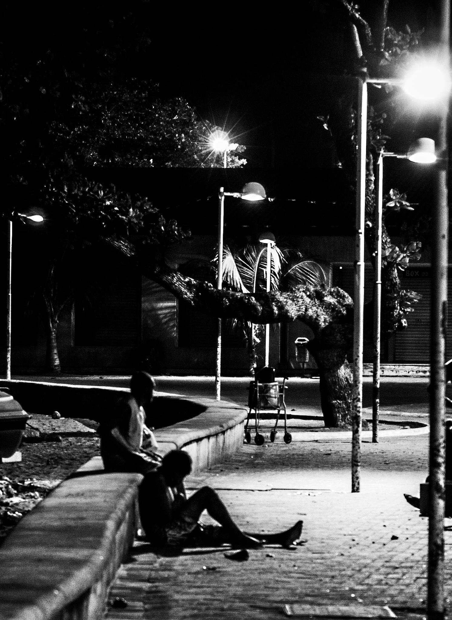 Walking deads by Francisco Milhorança