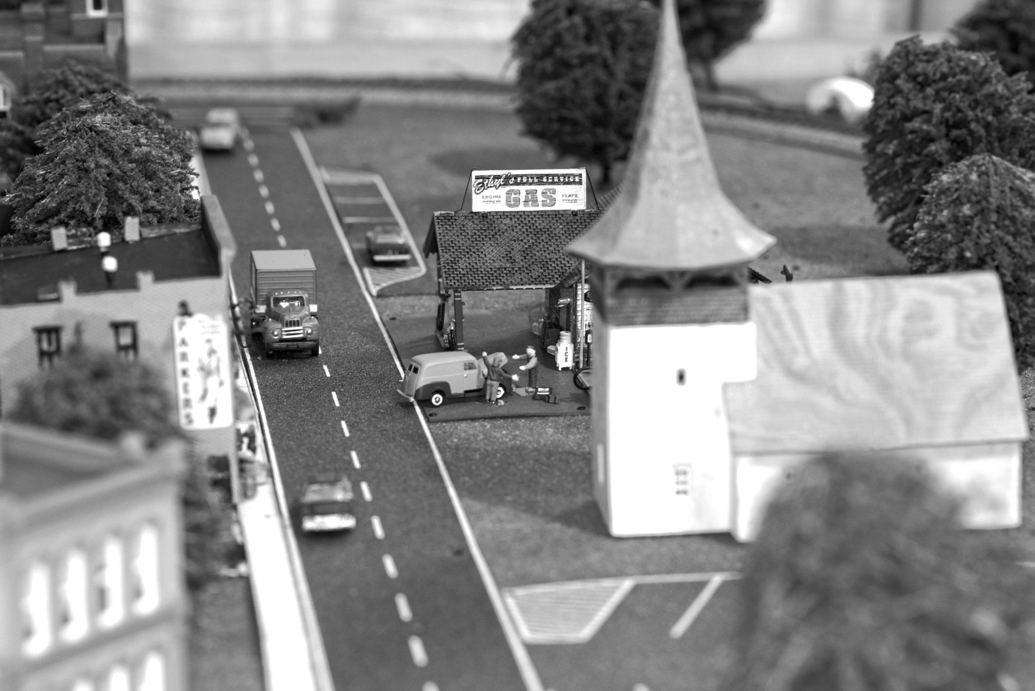 Gas Station by dewoodward