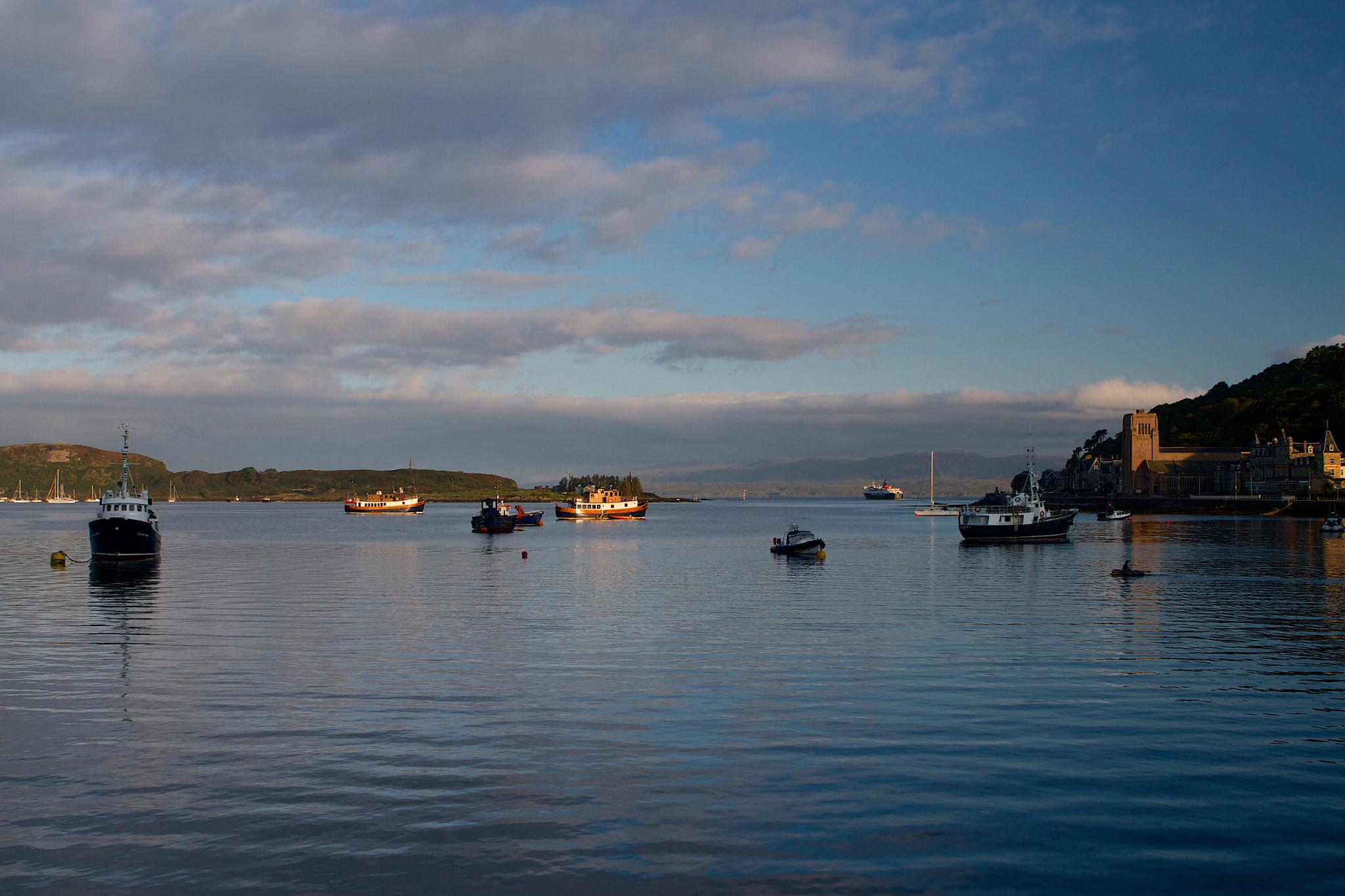 Early morning in Oban by Steve Blundell