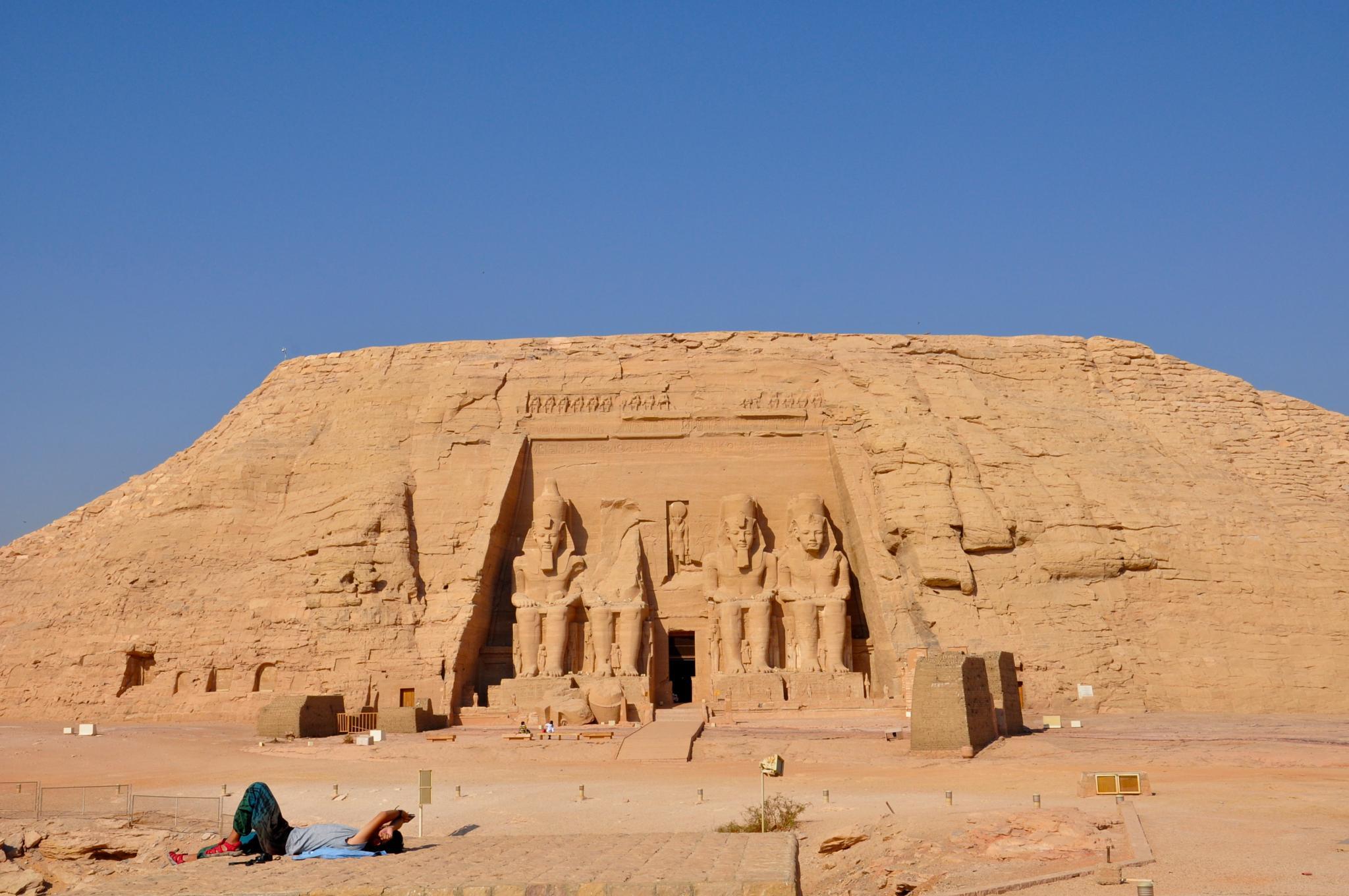 Abu Simbel Temple, Egypt by fjlian