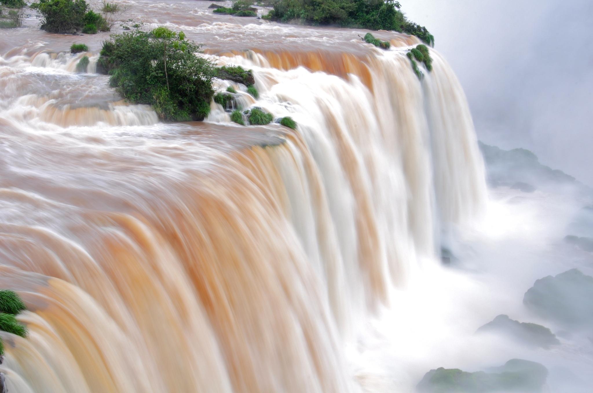Iguazu falls by fjlian