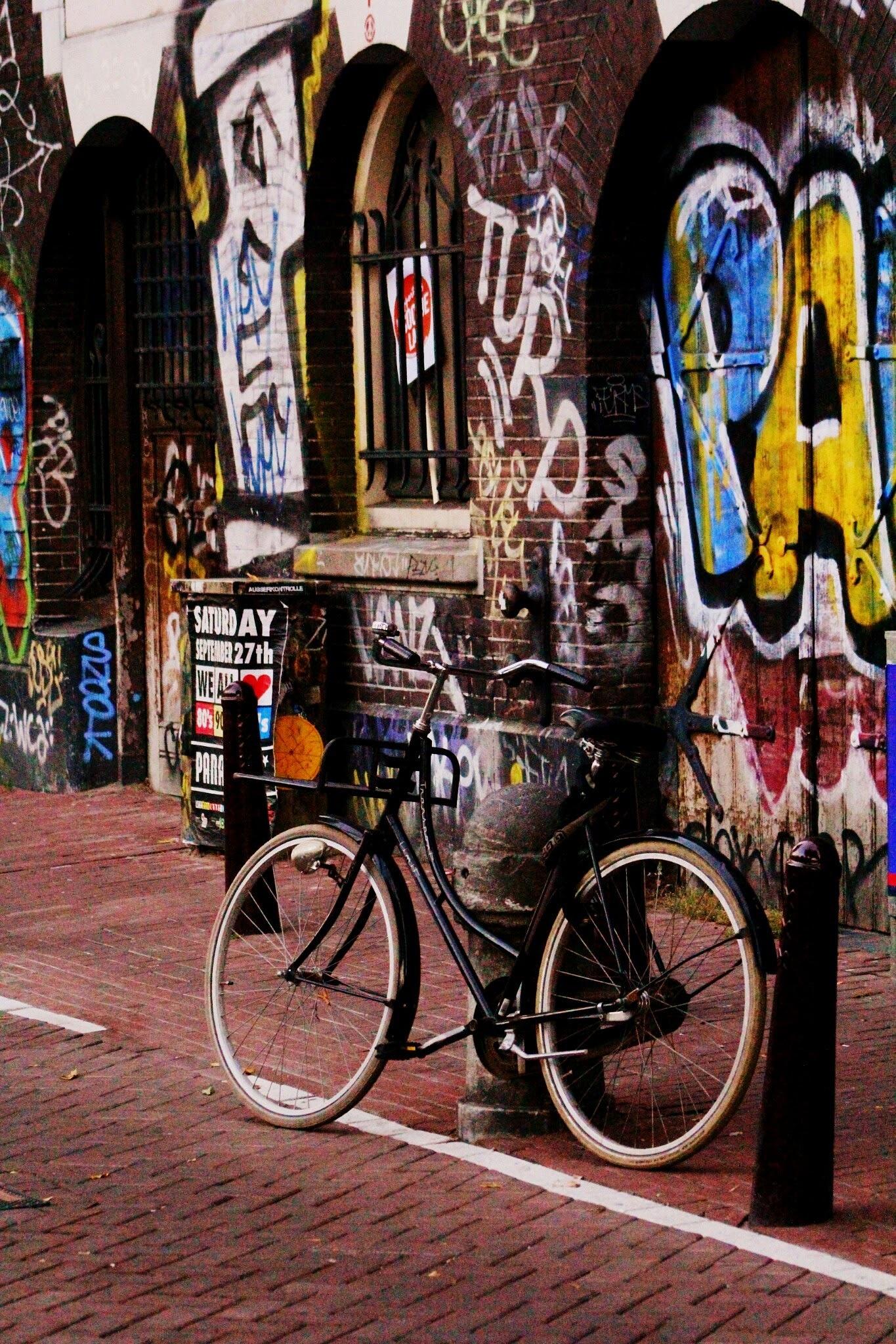 Amsterdam street art scene by MF - SyracuseLUX