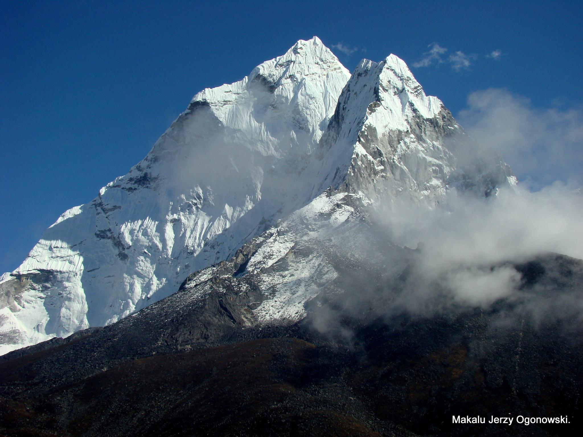 Ama Dablam 6812m.Khumbu Himal.Nepal. by Makalu Jerzy Ogonowski