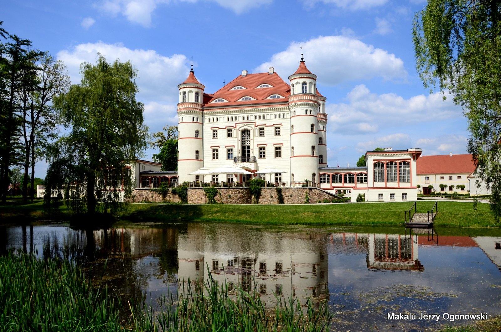 Palace Wojanów.Poland. by Makalu Jerzy Ogonowski