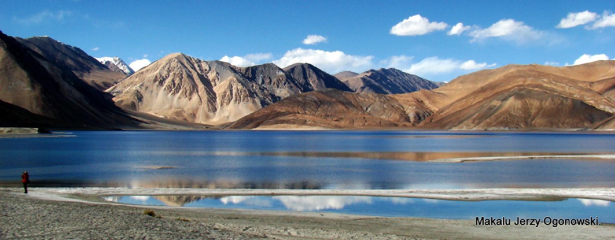 Pangong Lake 4250m.Border Ladakh-Tibet. by Makalu Jerzy Ogonowski