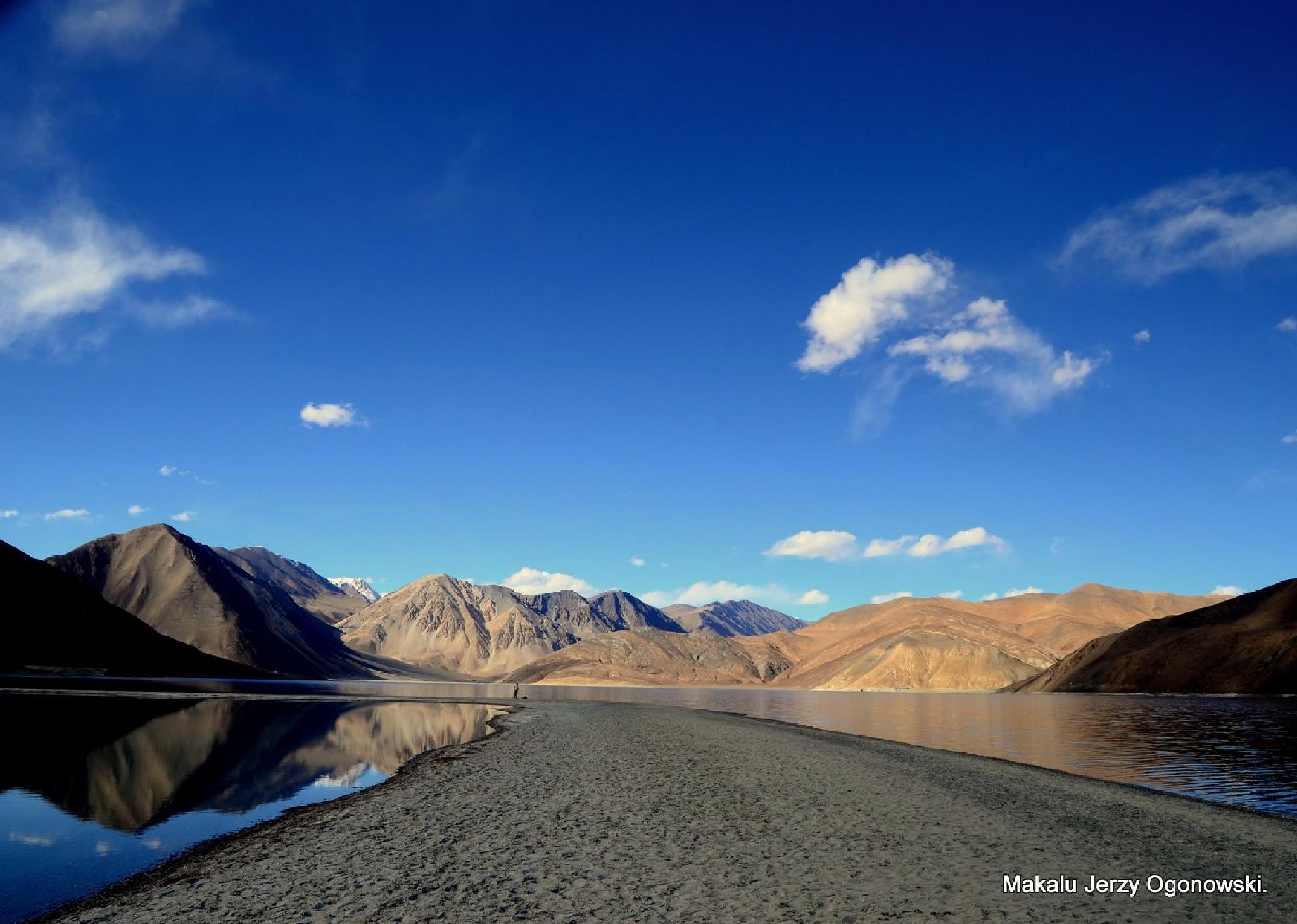Pangong Lake 4250m.Border Ladakh-Tibet by Makalu Jerzy Ogonowski