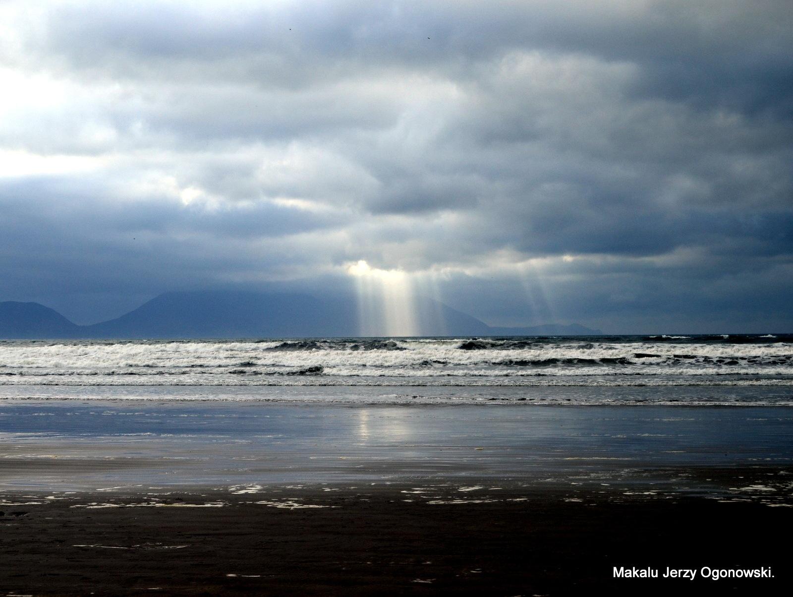 Inch Beach.Dingle peninsula.Co.Kerry.Ireland by Makalu Jerzy Ogonowski