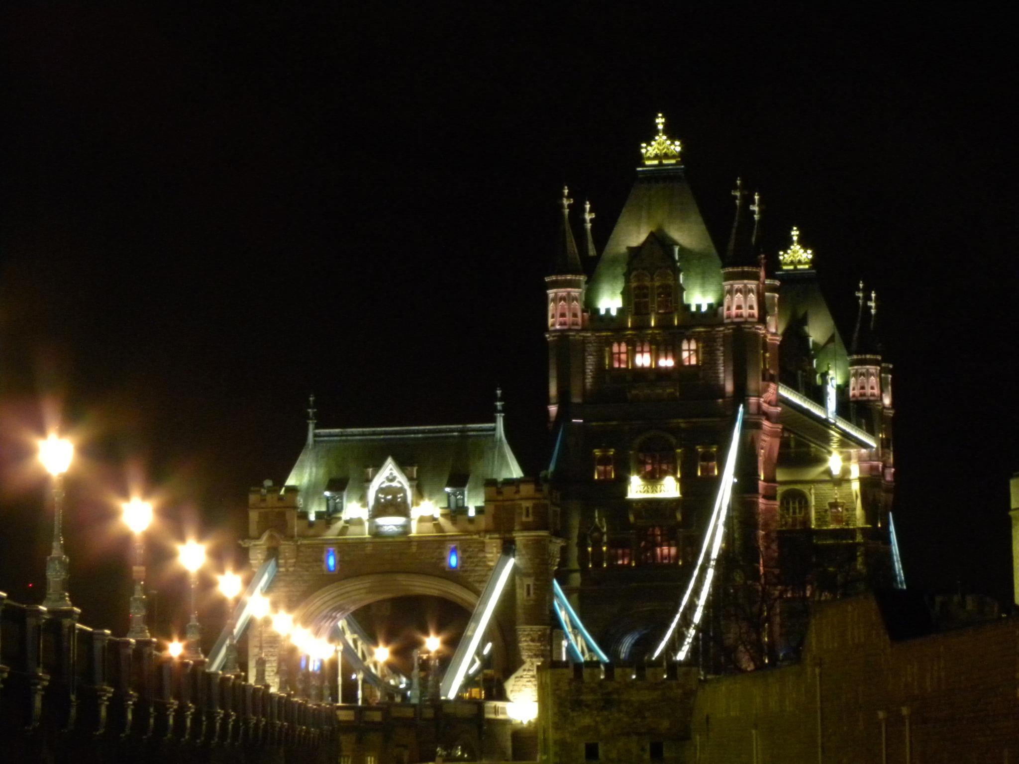 Tower Bridge #3 by shyam.chaudhri