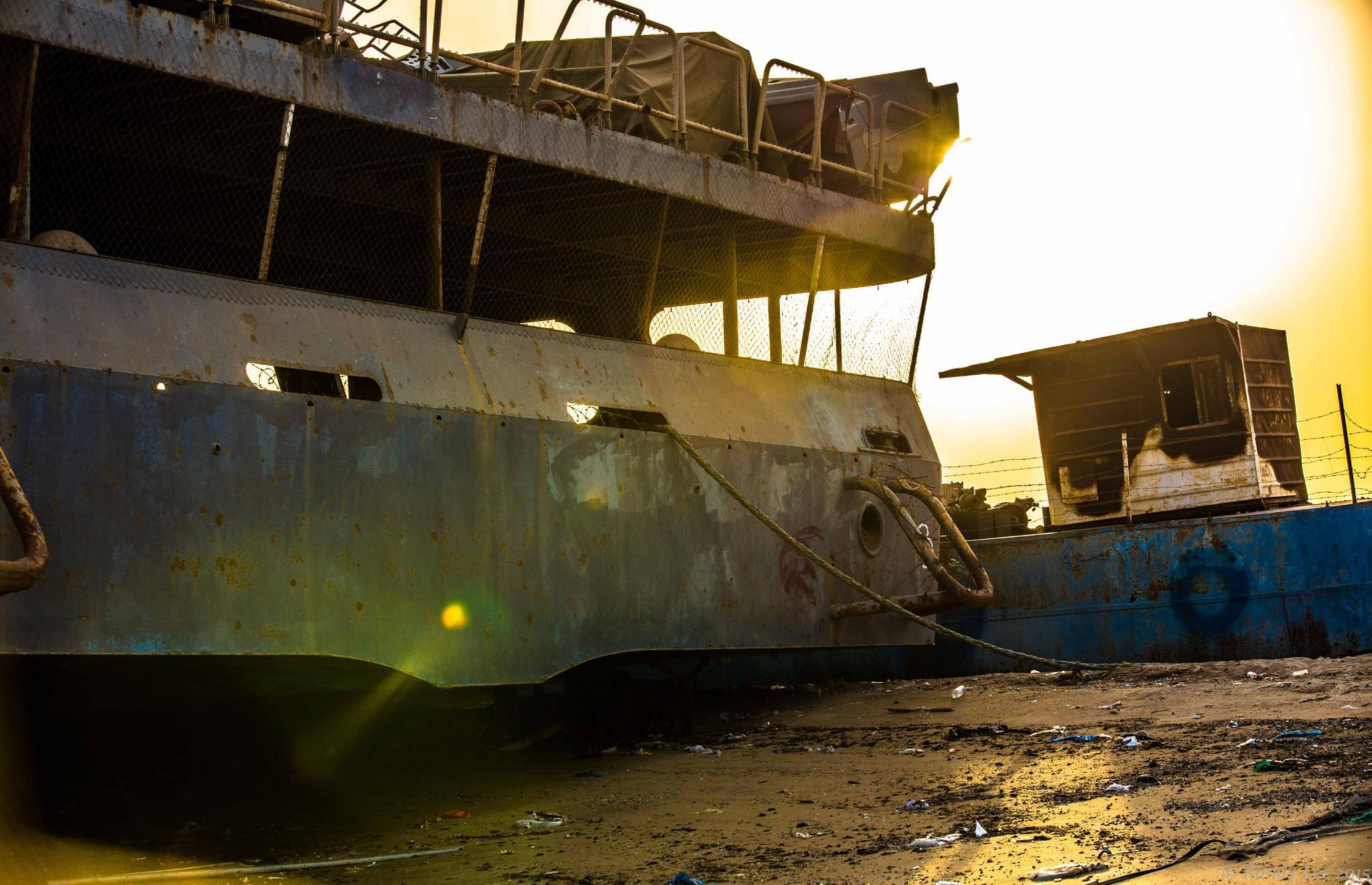 abandoned ships_al doha kuwait by Randy