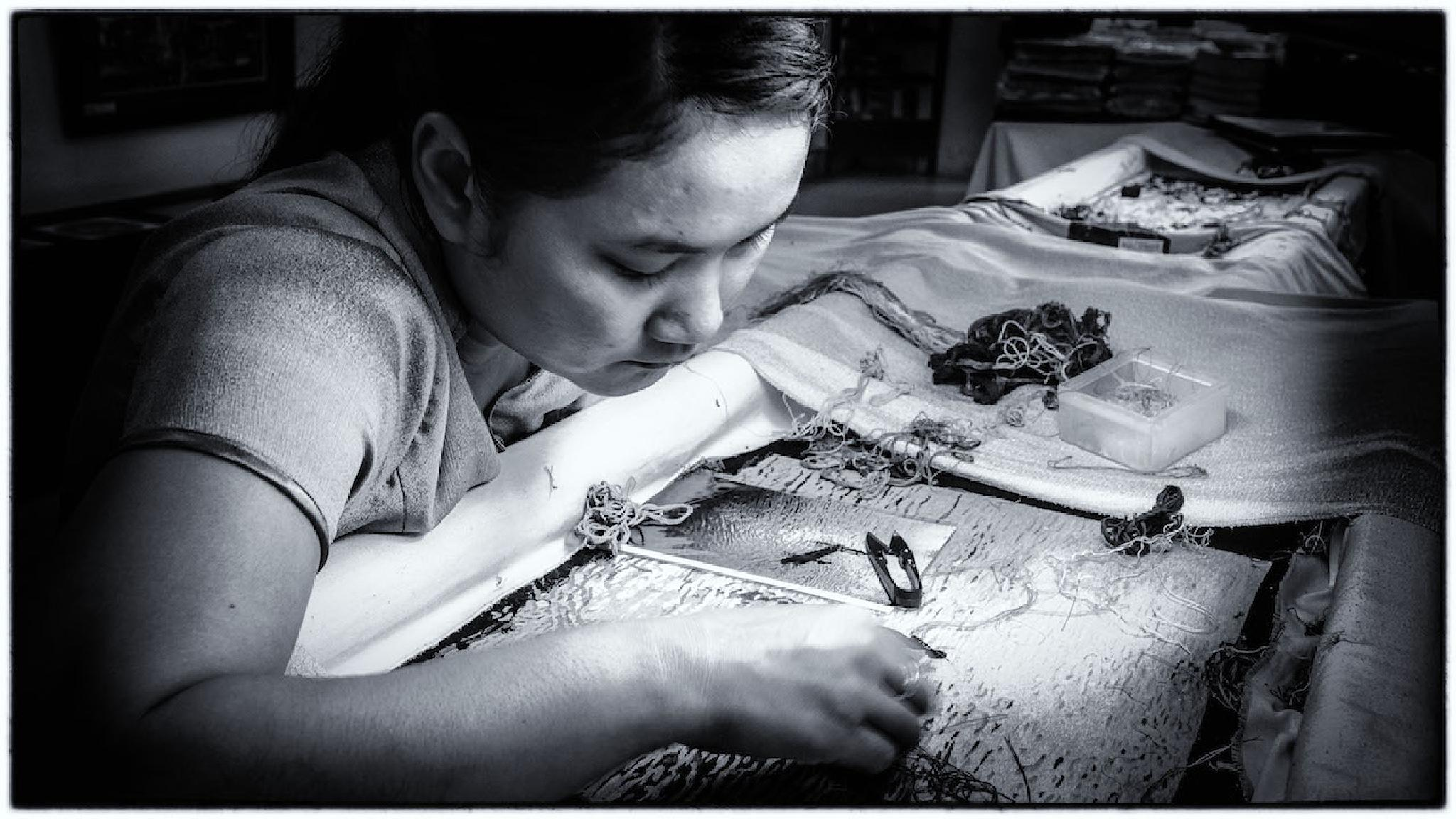 Vietnamese Girl at Work. by tapasbas