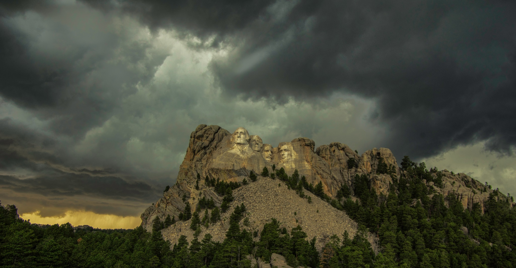 Storm amungst the Preidents by kyzerzoze