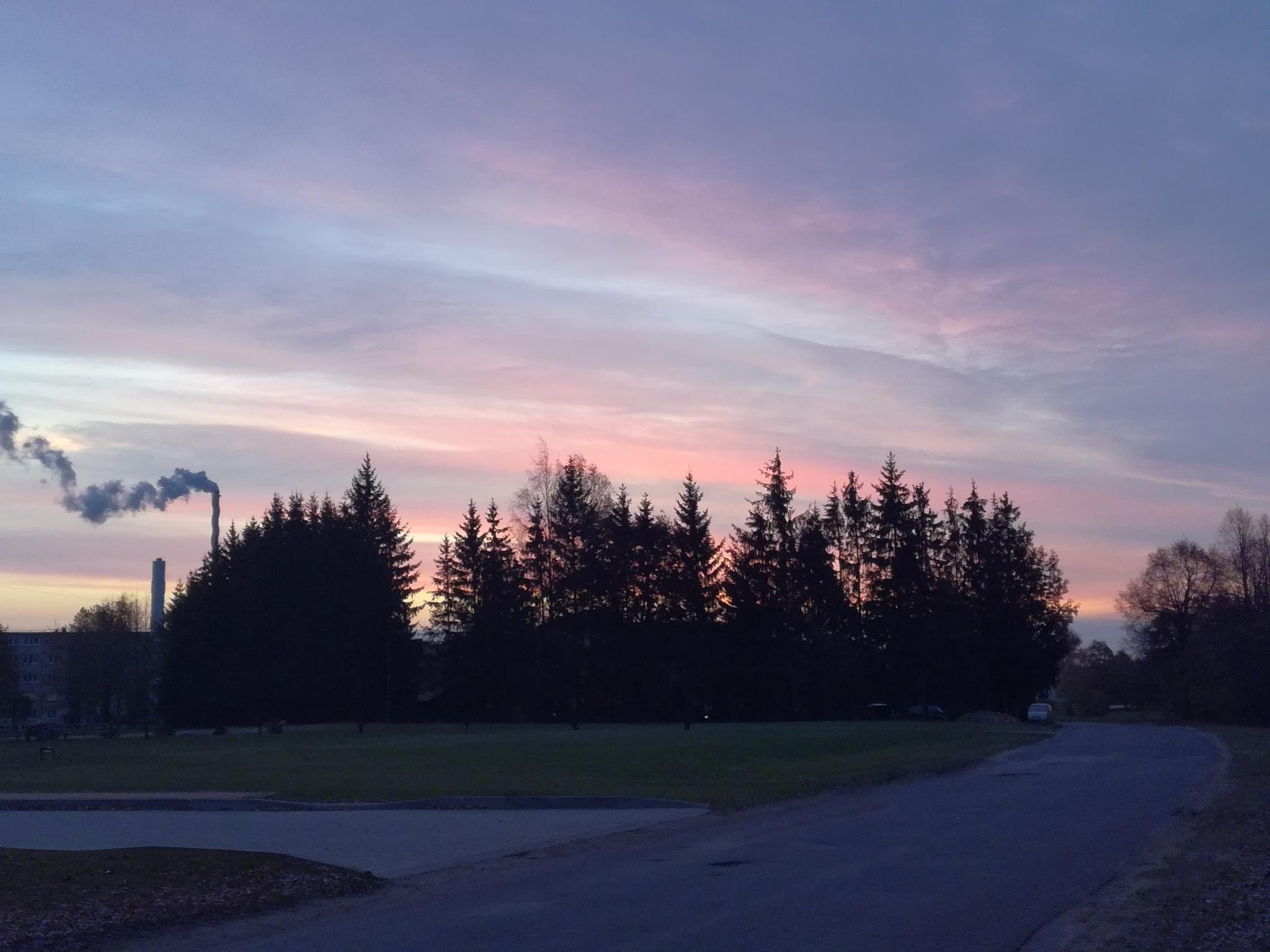 Morning sky by uzkuraitiene62
