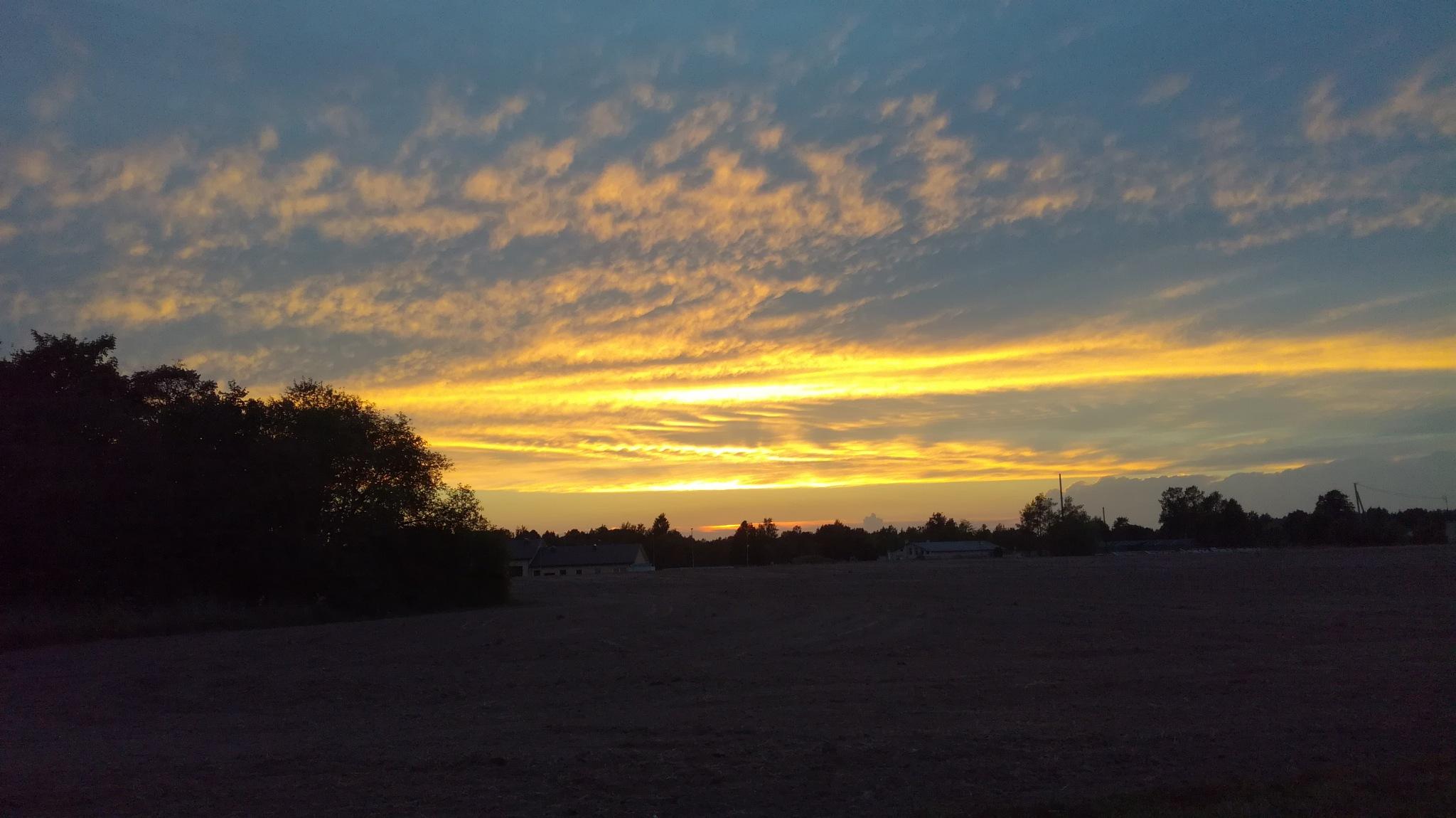 Sky after sunset by uzkuraitiene62