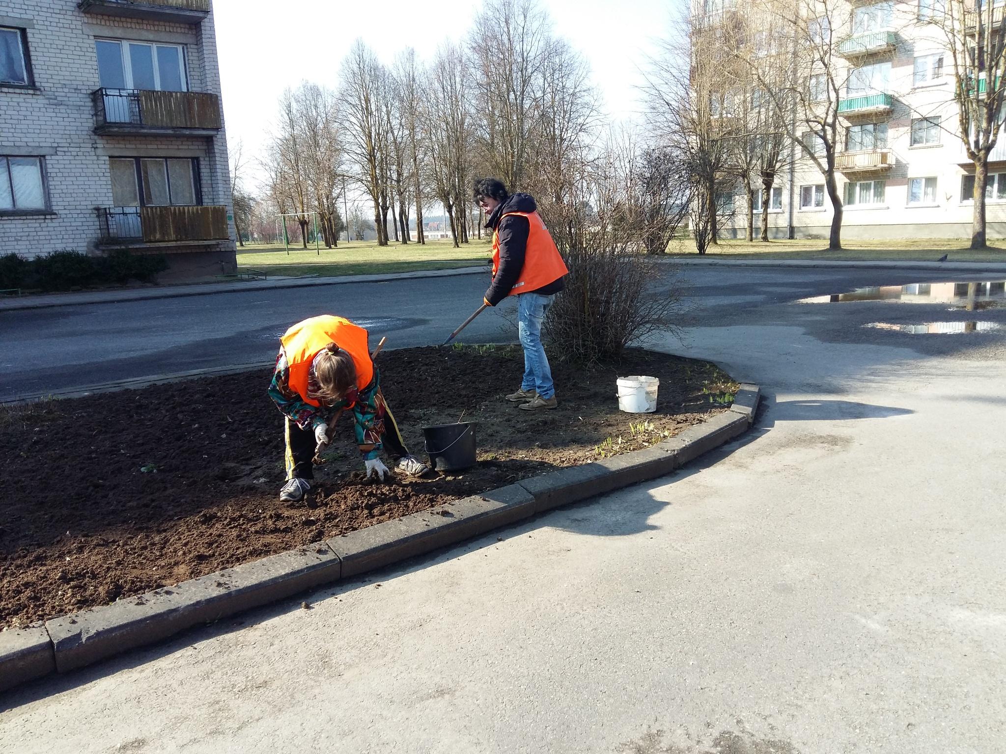 Working people. by uzkuraitiene62