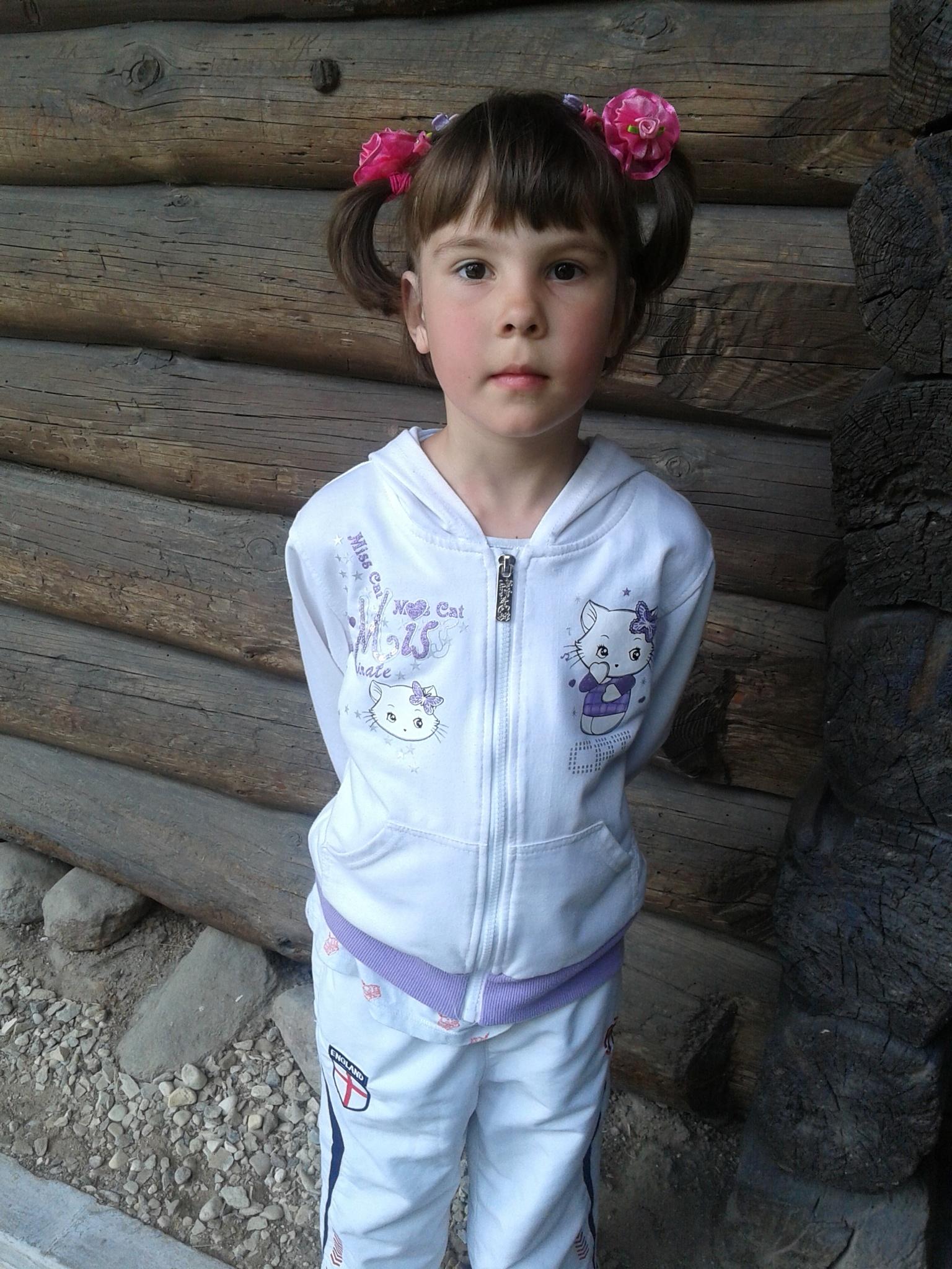 Little girl  by uzkuraitiene62
