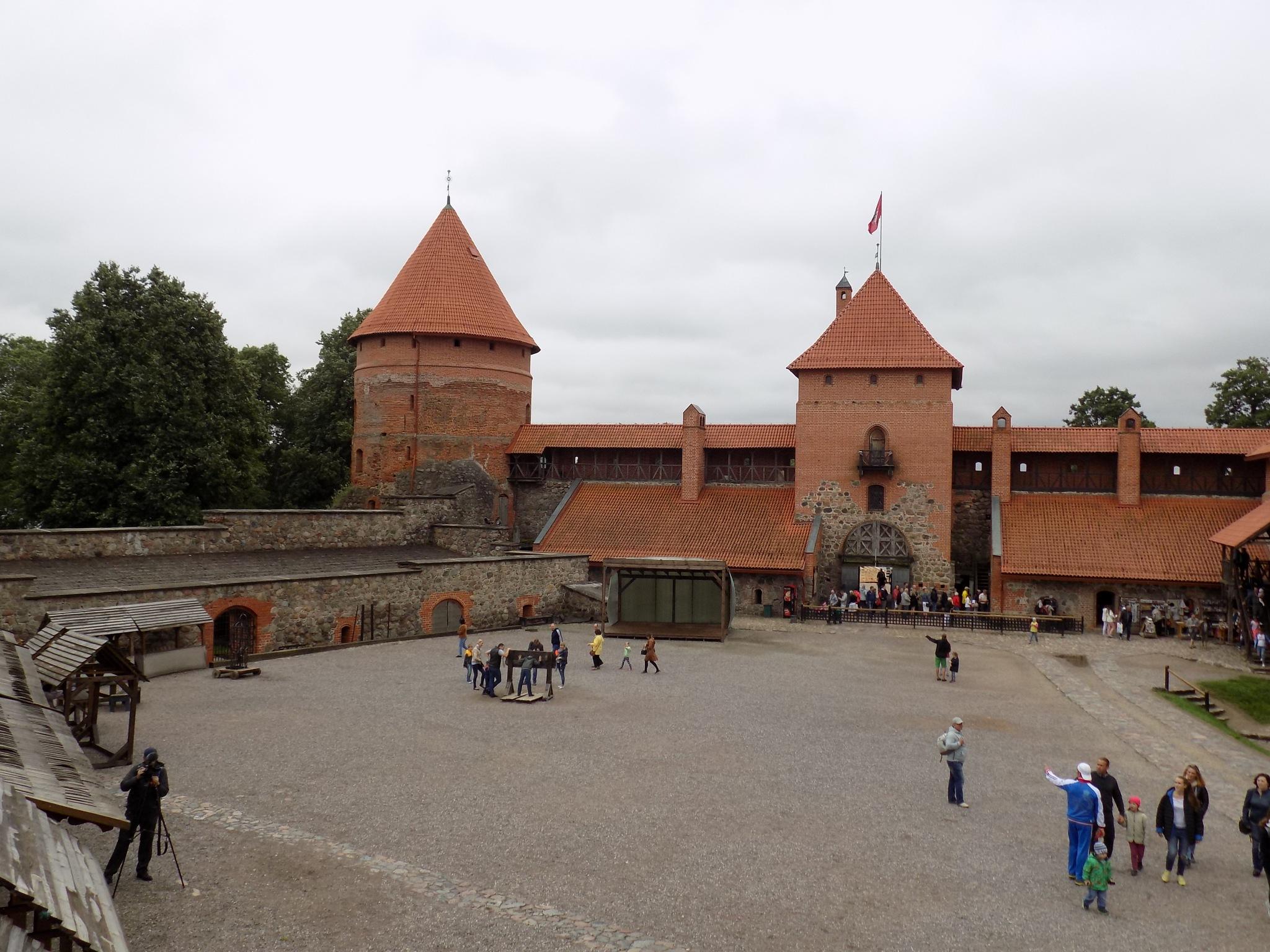 Trakai Castle by uzkuraitiene62
