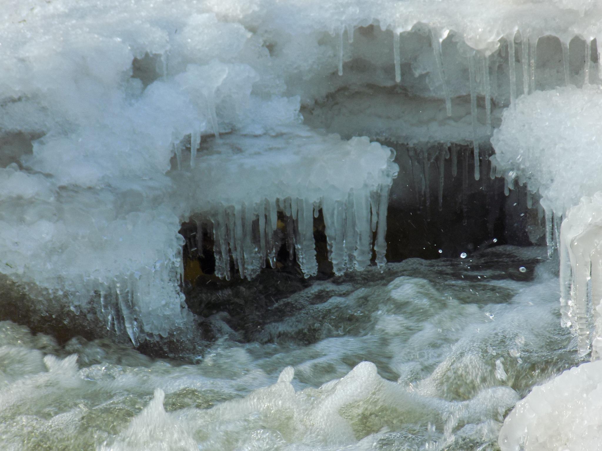 Ice pieces by uzkuraitiene62