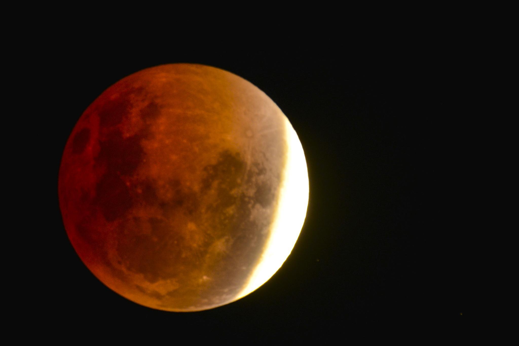 Red Moon by chrisgnixon