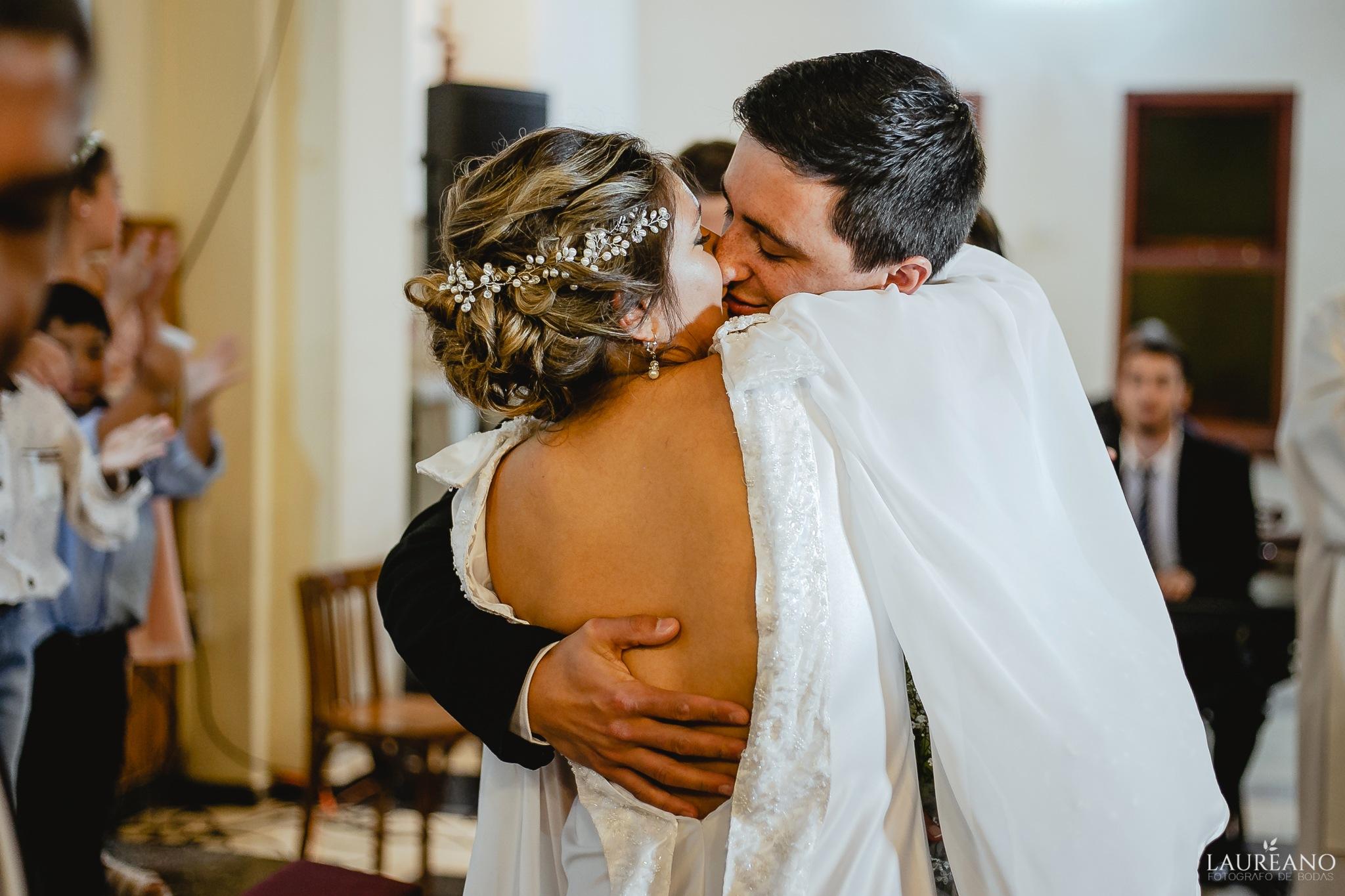 Kiss me by Laureano Piccini
