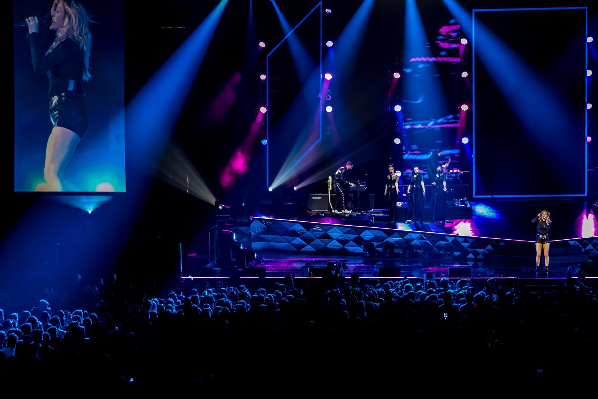 indoor concert 2 by MTM