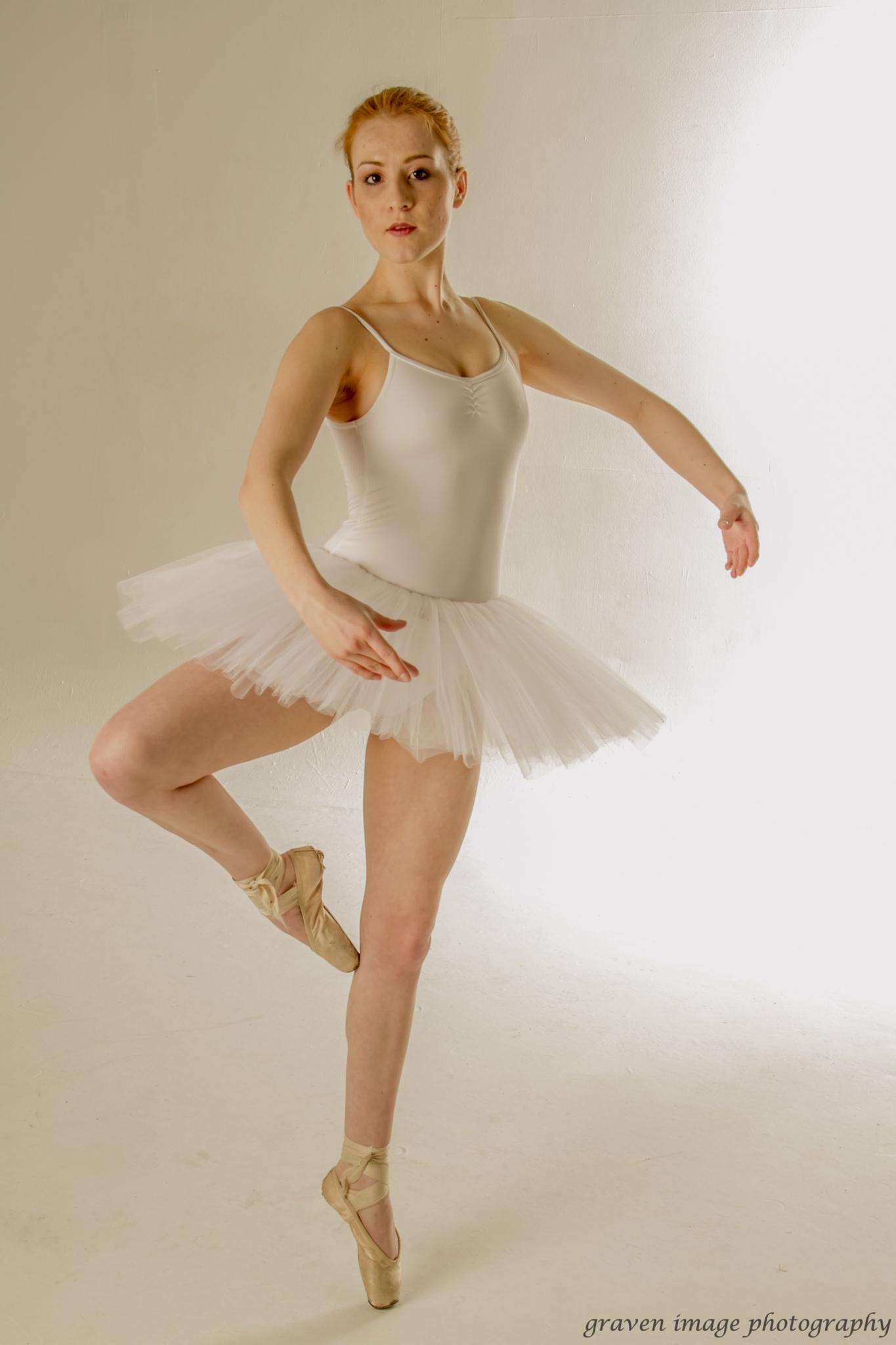 auburn rose ............  ballet set by gravenimage