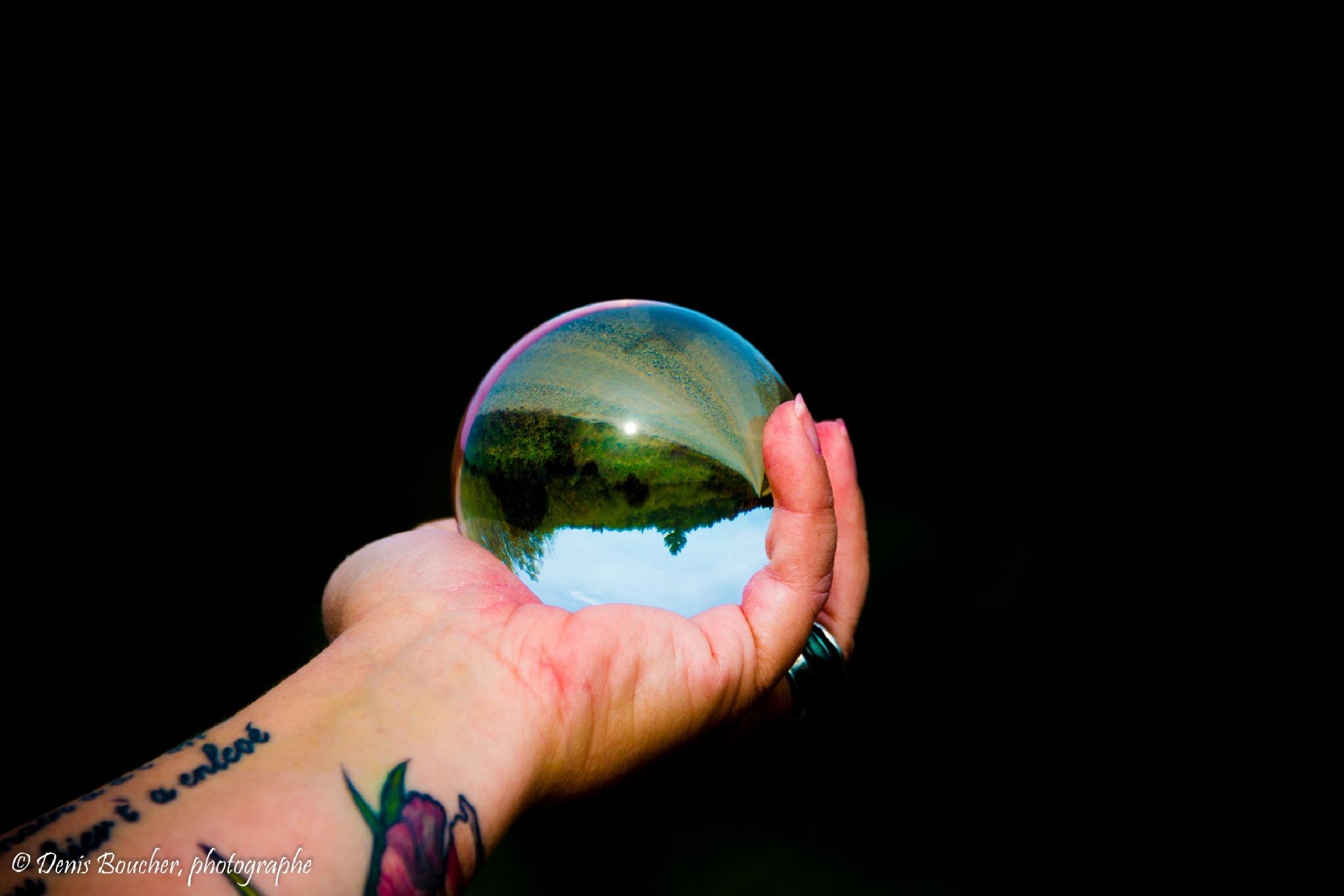 Photo in Random #boule de verre #canada #creatif #quebec #shooting #tatouages #urbain #mains